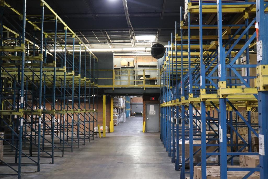 Parts shelving units - Image 6 of 7