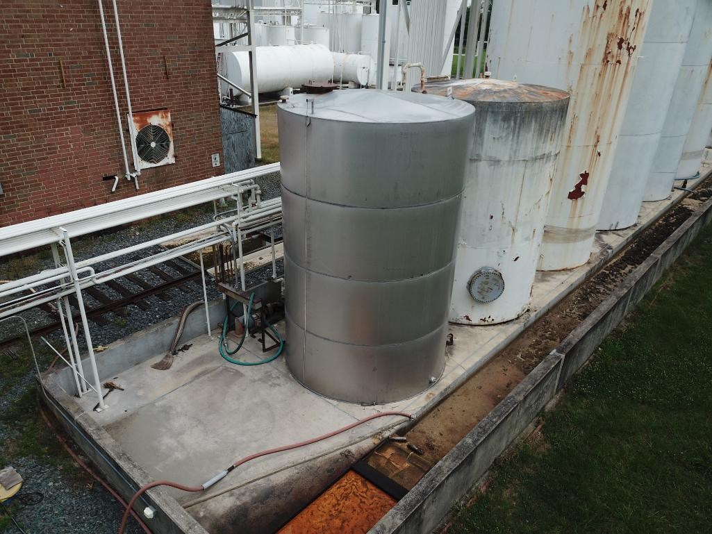 8000 gallon stainless steel tank - Image 2 of 5