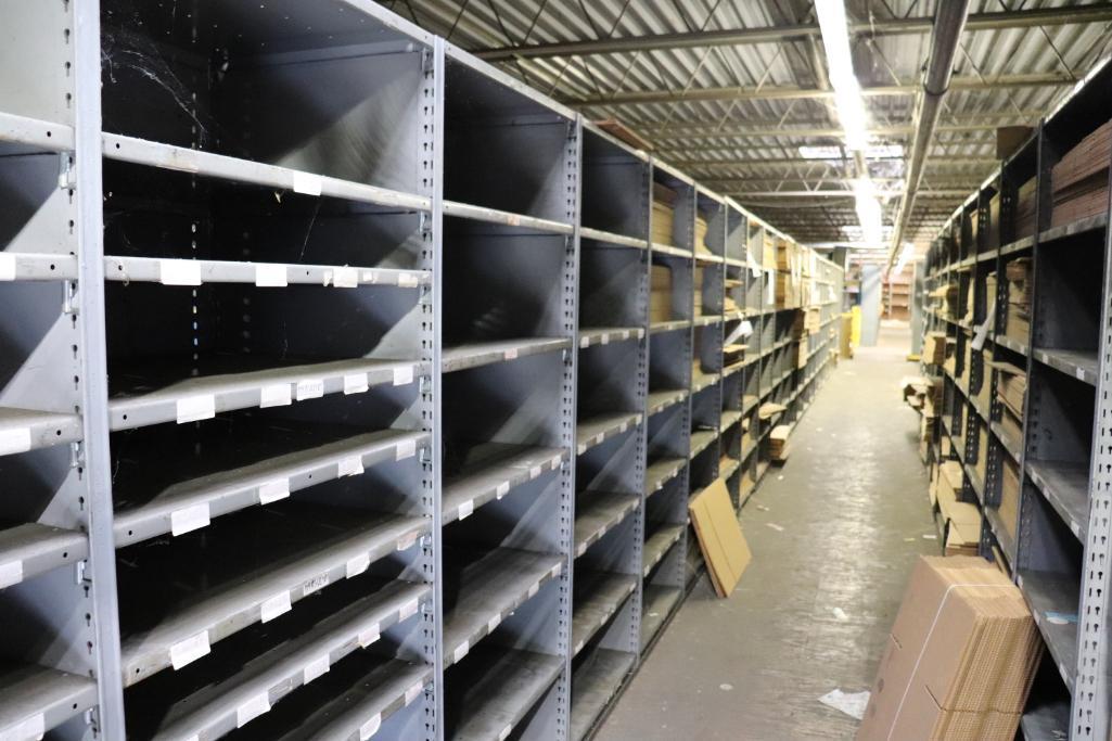 Parts shelving units - Image 5 of 9