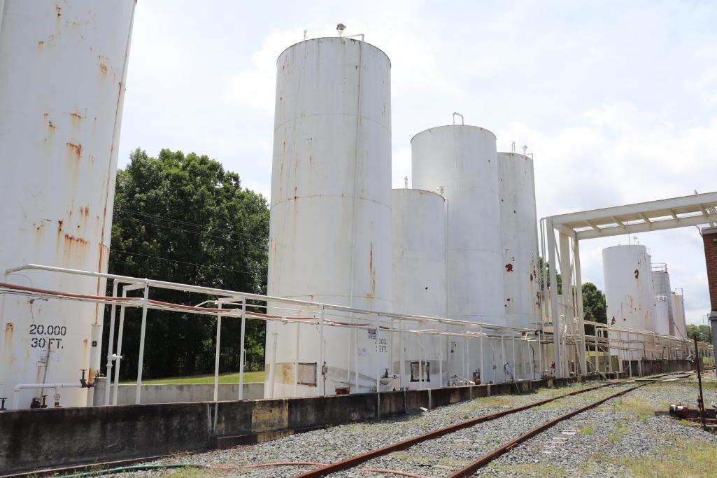 Tank farm section 15k - 30k gallon vertical tanks - Image 3 of 19