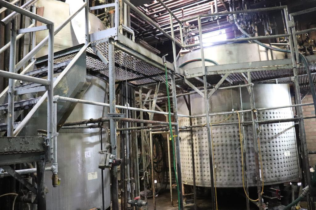 Stainless steel & steel mixing tanks, Contents of room - Image 11 of 13