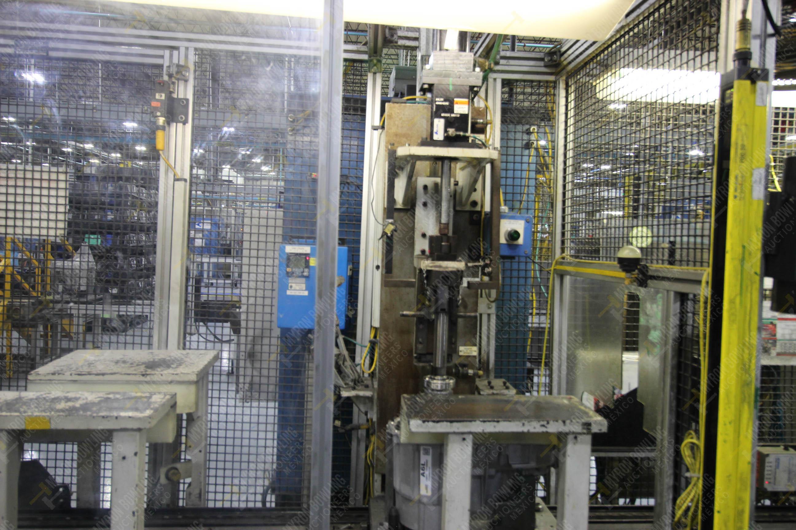 Estación semiautomática para operación 340, contiene: Prensa en estructura de placa de acero - Image 15 of 32