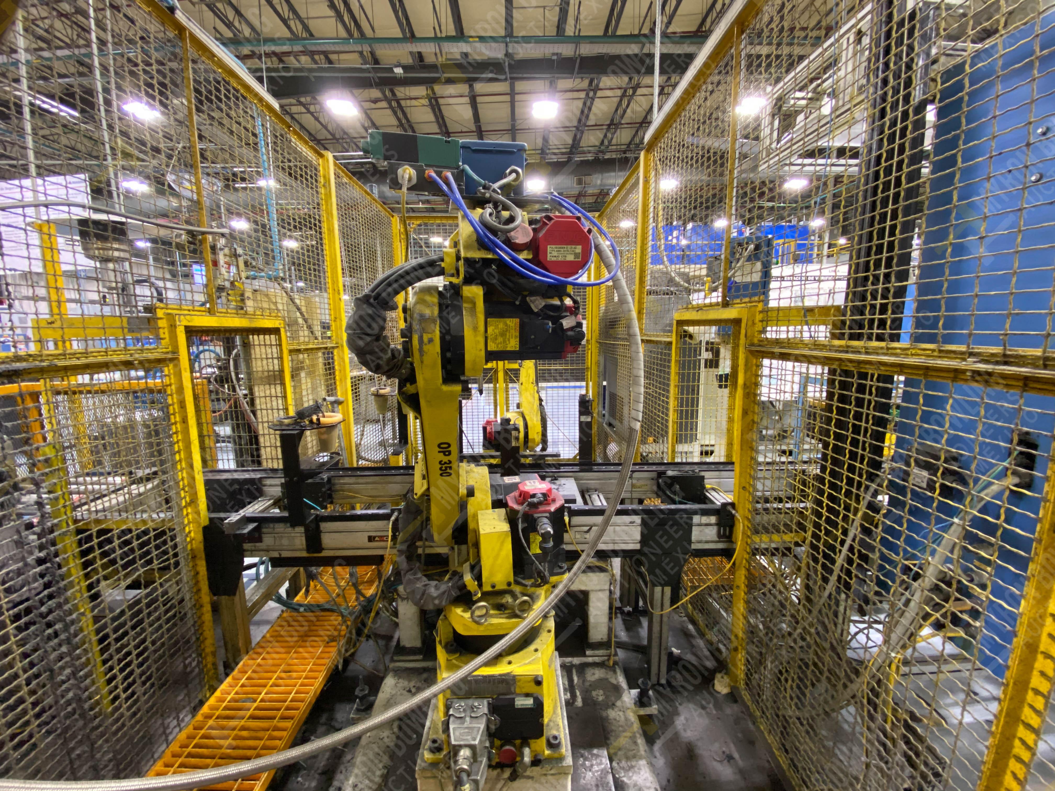 Robot marca Fanuc con capacidad de carga de 15-30 Kg, controlador de robot y teach pendant - Image 4 of 14