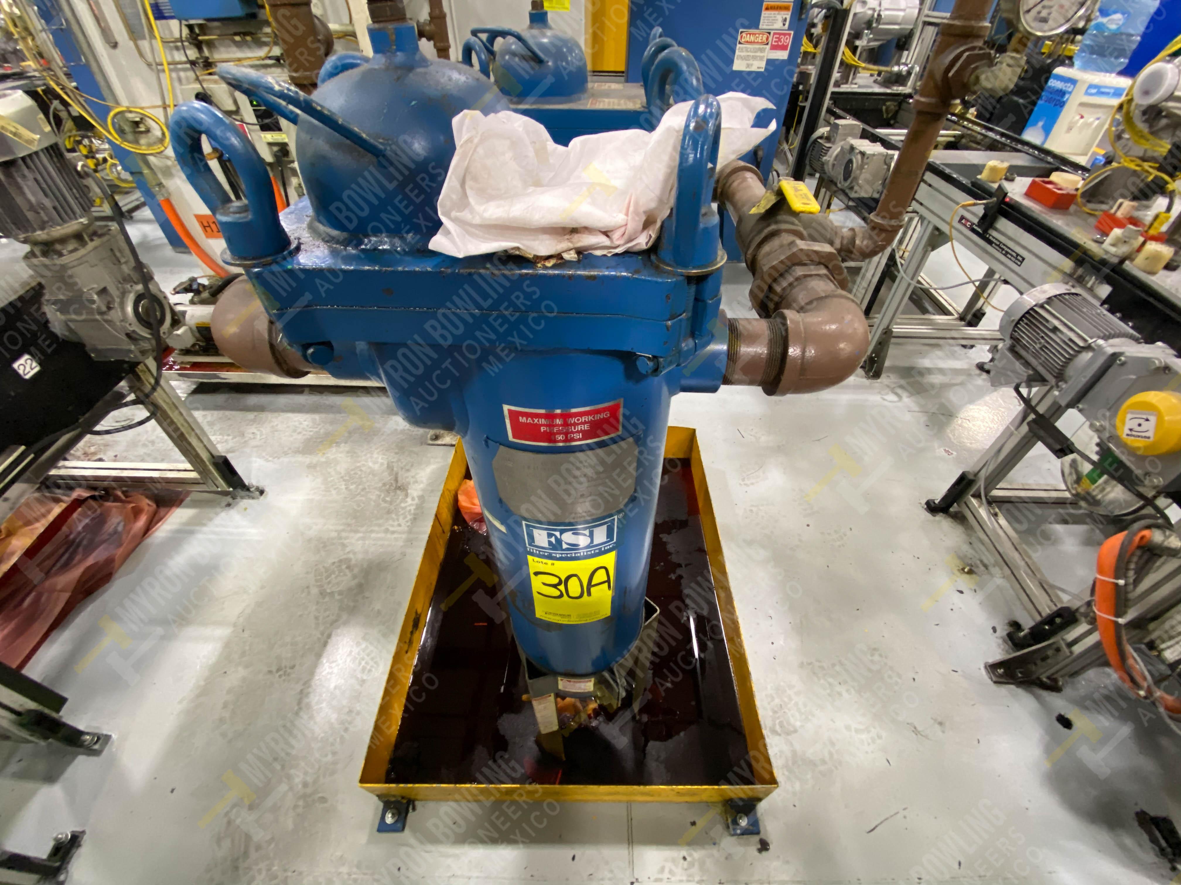 Bomba de aceite y filtros para el llenado de housings en lote 30 y 31. - Image 7 of 30