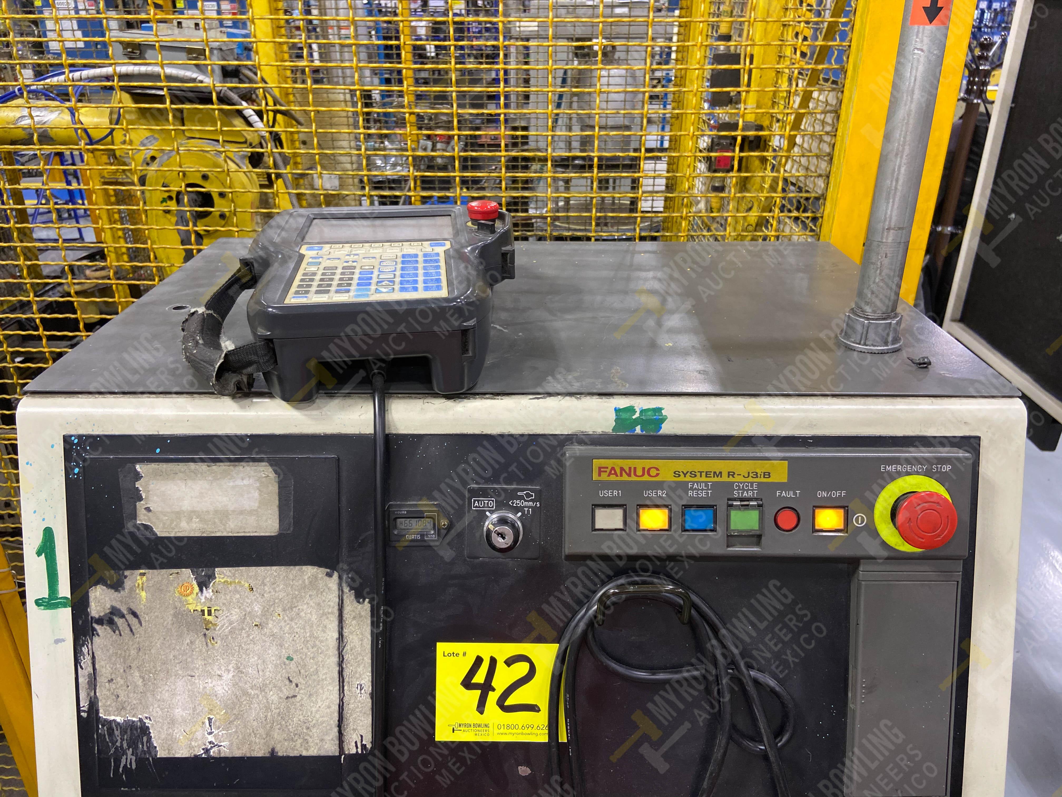 Robot marca Fanuc con capacidad de carga de 15-30 Kg, controlador de robot y teach pendant - Image 12 of 14