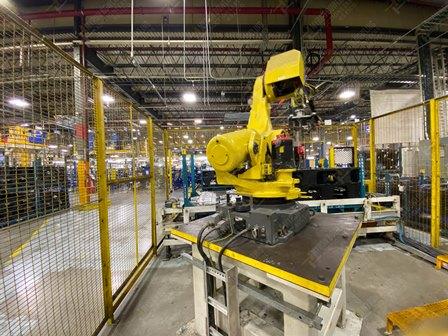 Robot con capacidad de carga de 50-100 Kg, controlador de robot y teach pendant - Image 2 of 22