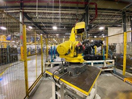 Robot con capacidad de carga de 50-100 Kg, controlador de robot y teach pendant - Image 5 of 22