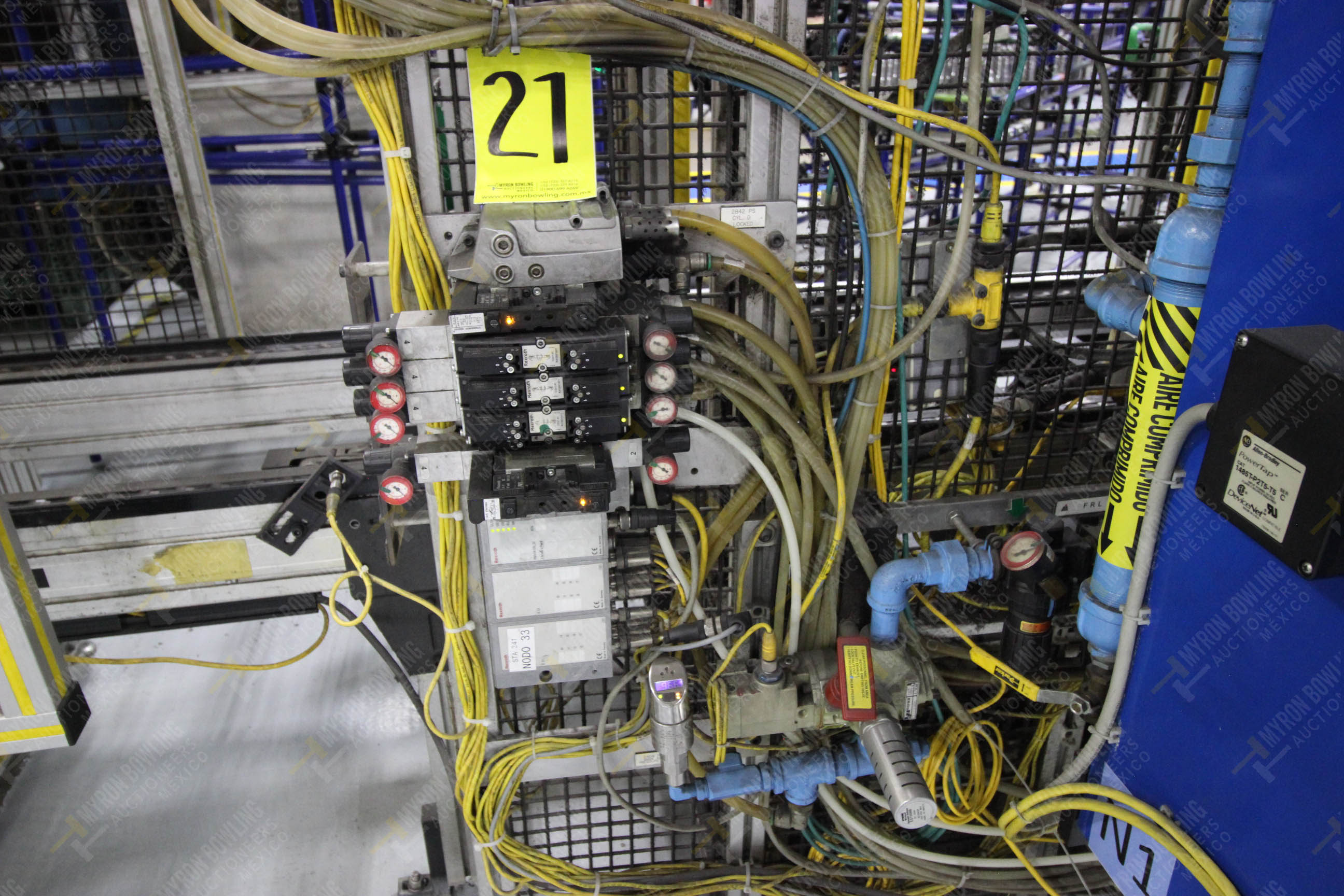 Estación semiautomática para operación 341, contiene: Prensa en estructura de placa de acero - Image 15 of 26