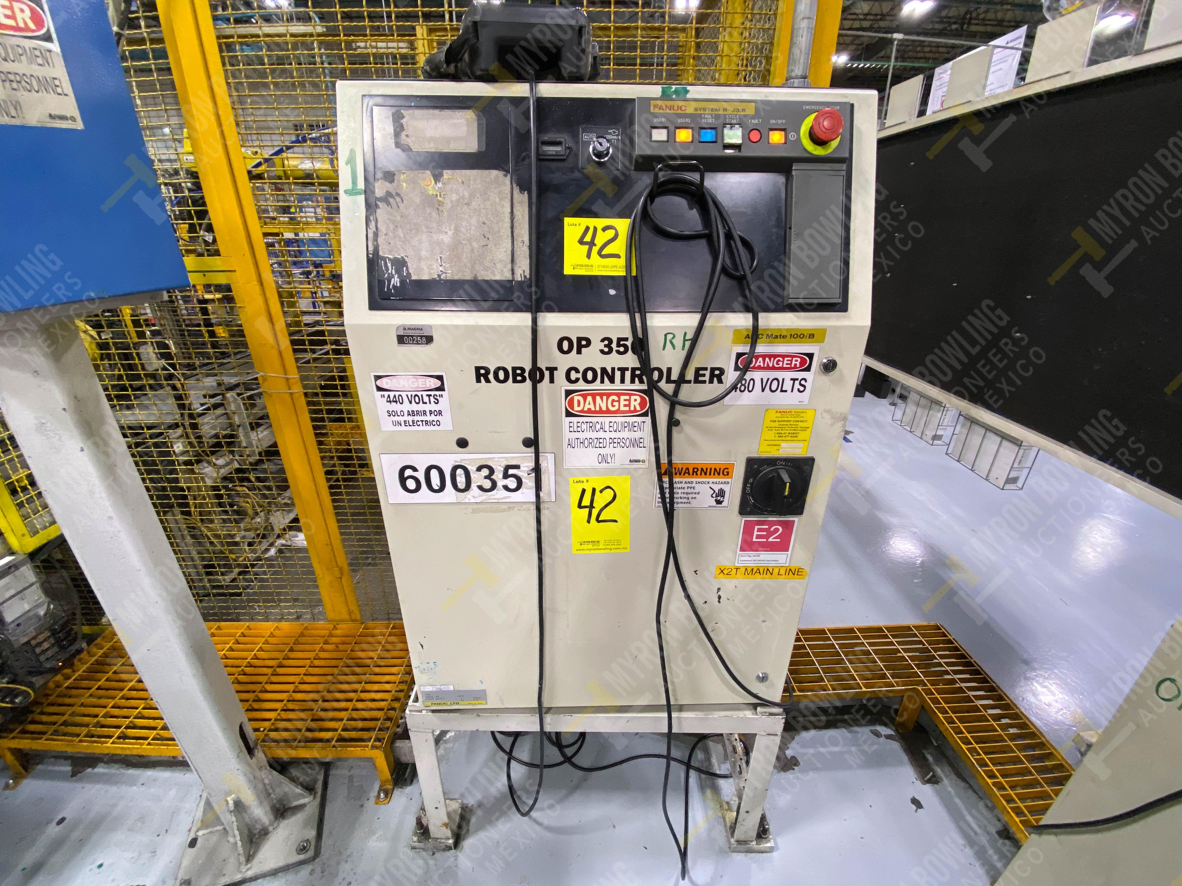 Robot marca Fanuc con capacidad de carga de 15-30 Kg, controlador de robot y teach pendant - Image 5 of 14