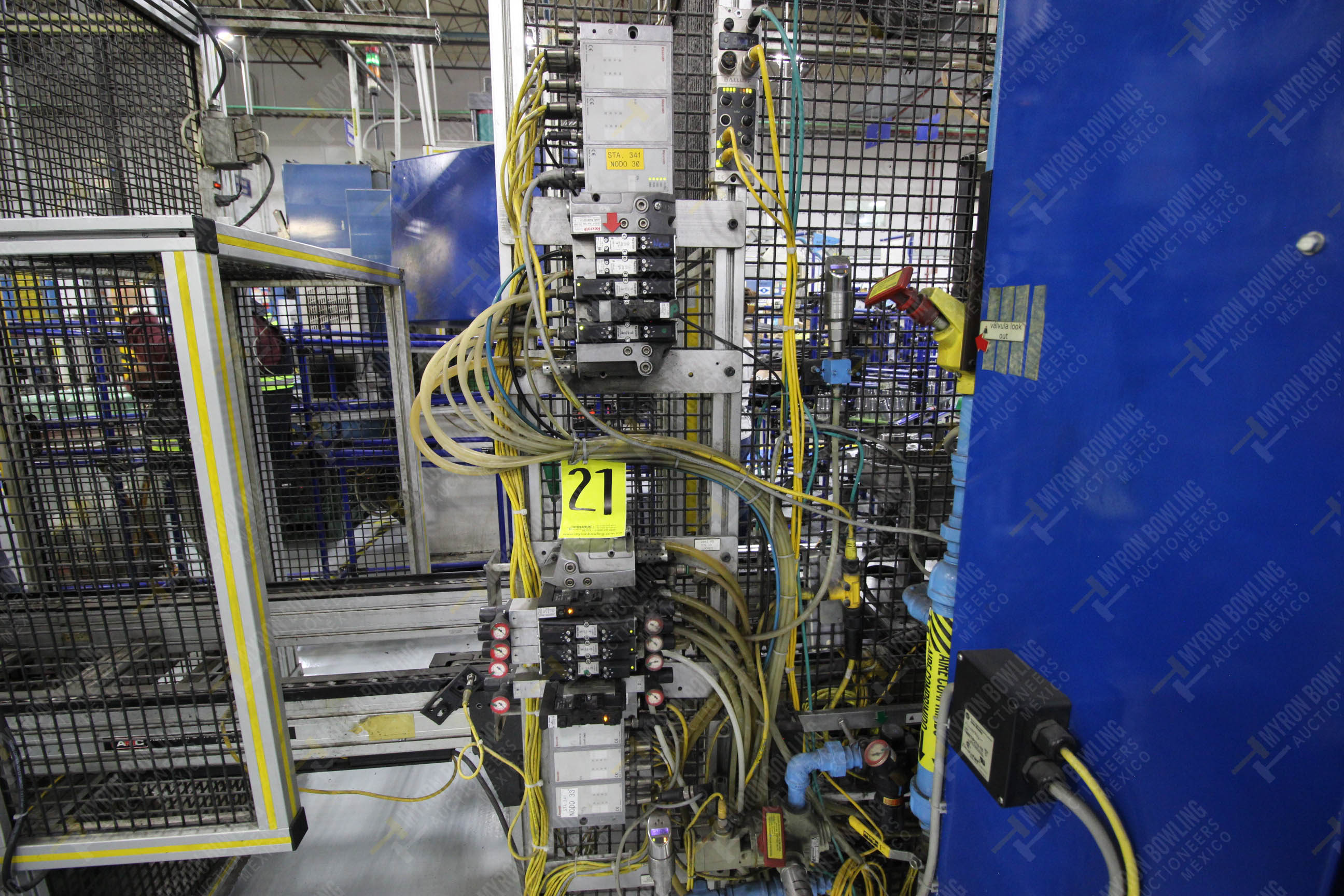 Estación semiautomática para operación 341, contiene: Prensa en estructura de placa de acero - Image 13 of 26