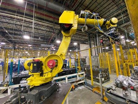 Robot con capacidad de carga de 50-100 Kg, controlador de robot y teach pendant - Image 18 of 22