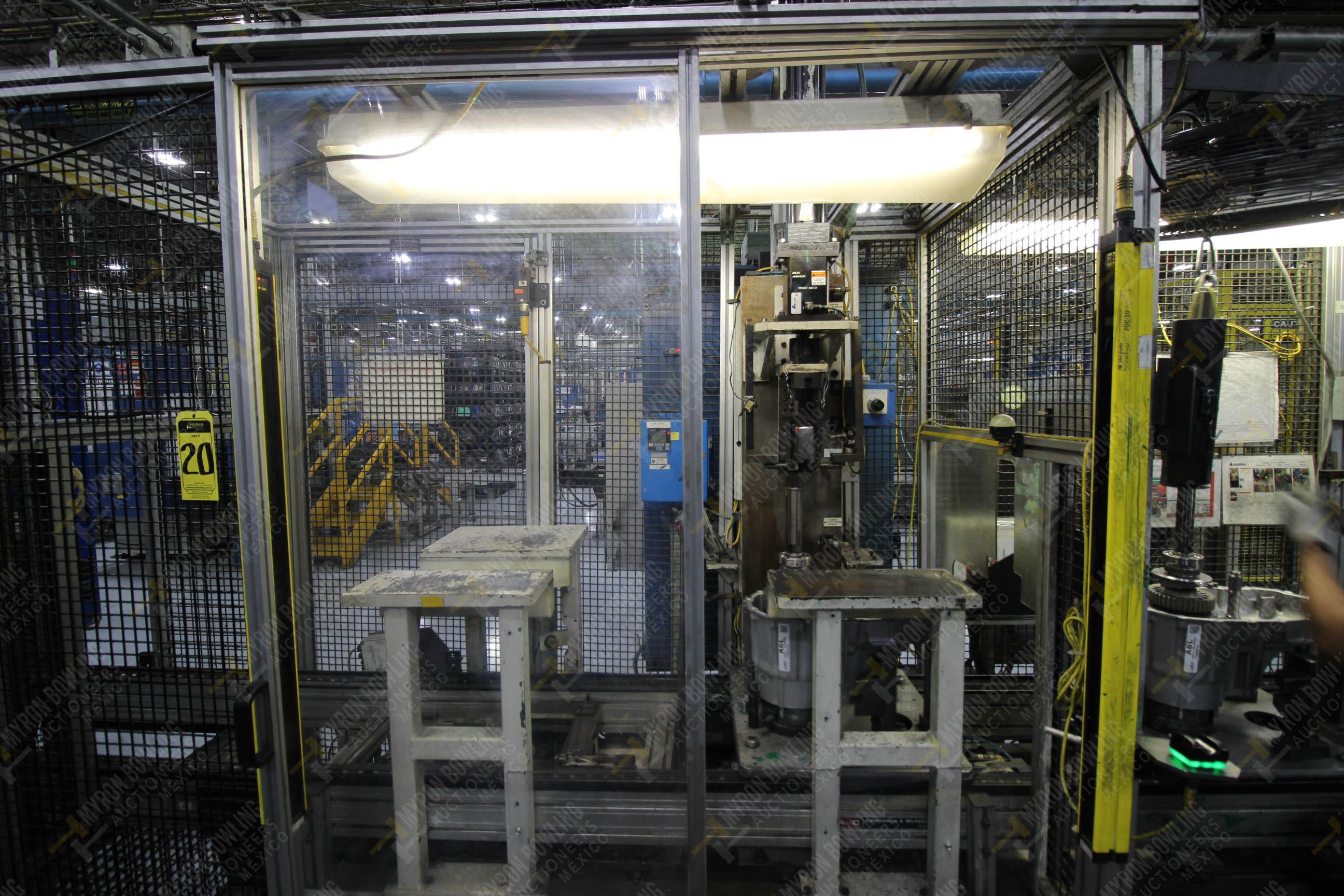 Estación semiautomática para operación 340, contiene: Prensa en estructura de placa de acero