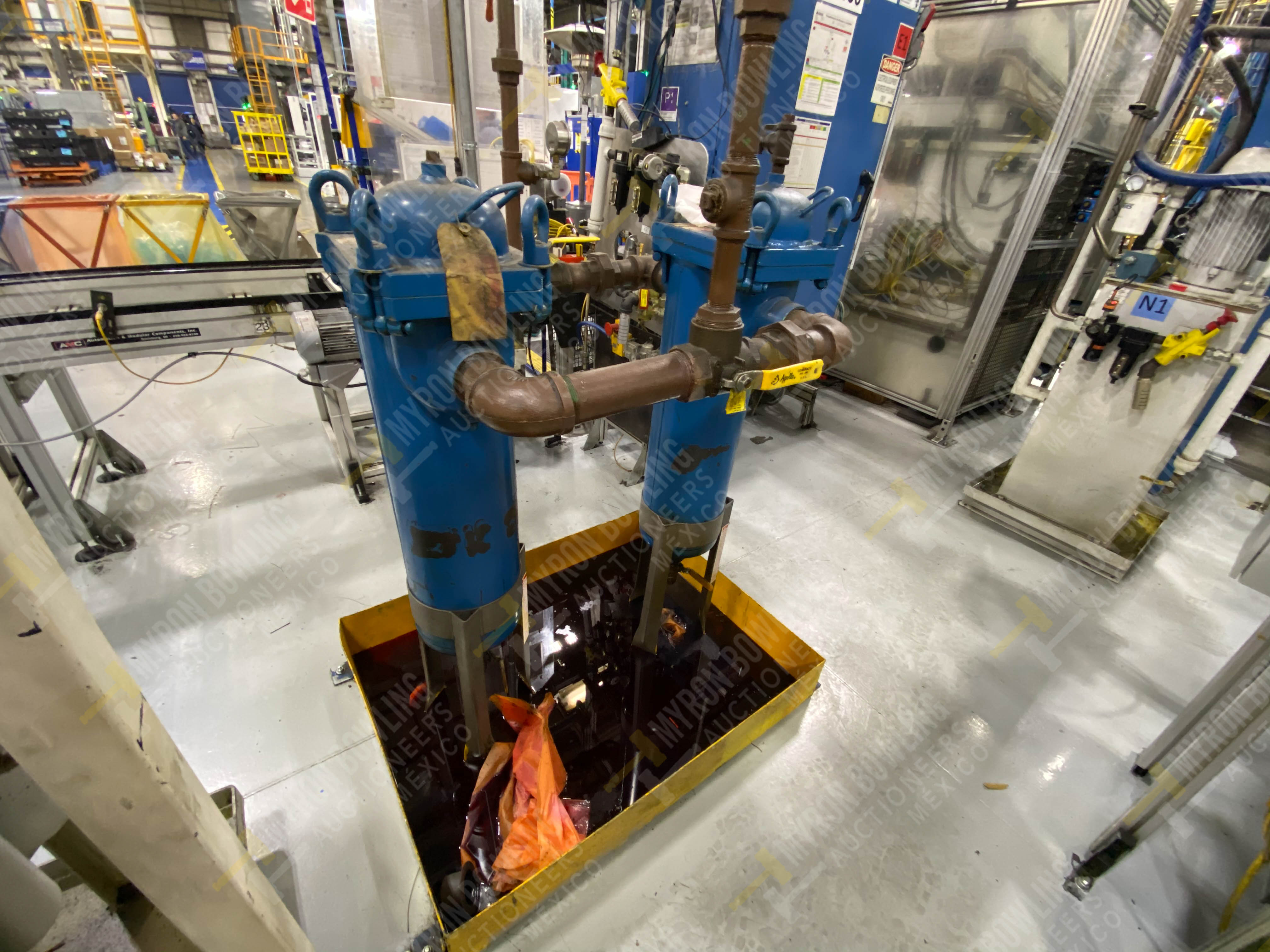 Bomba de aceite y filtros para el llenado de housings en lote 30 y 31. - Image 5 of 30