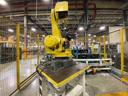Robot con capacidad de carga de 50-100 Kg, controlador de robot y teach pendant - Image 8 of 22