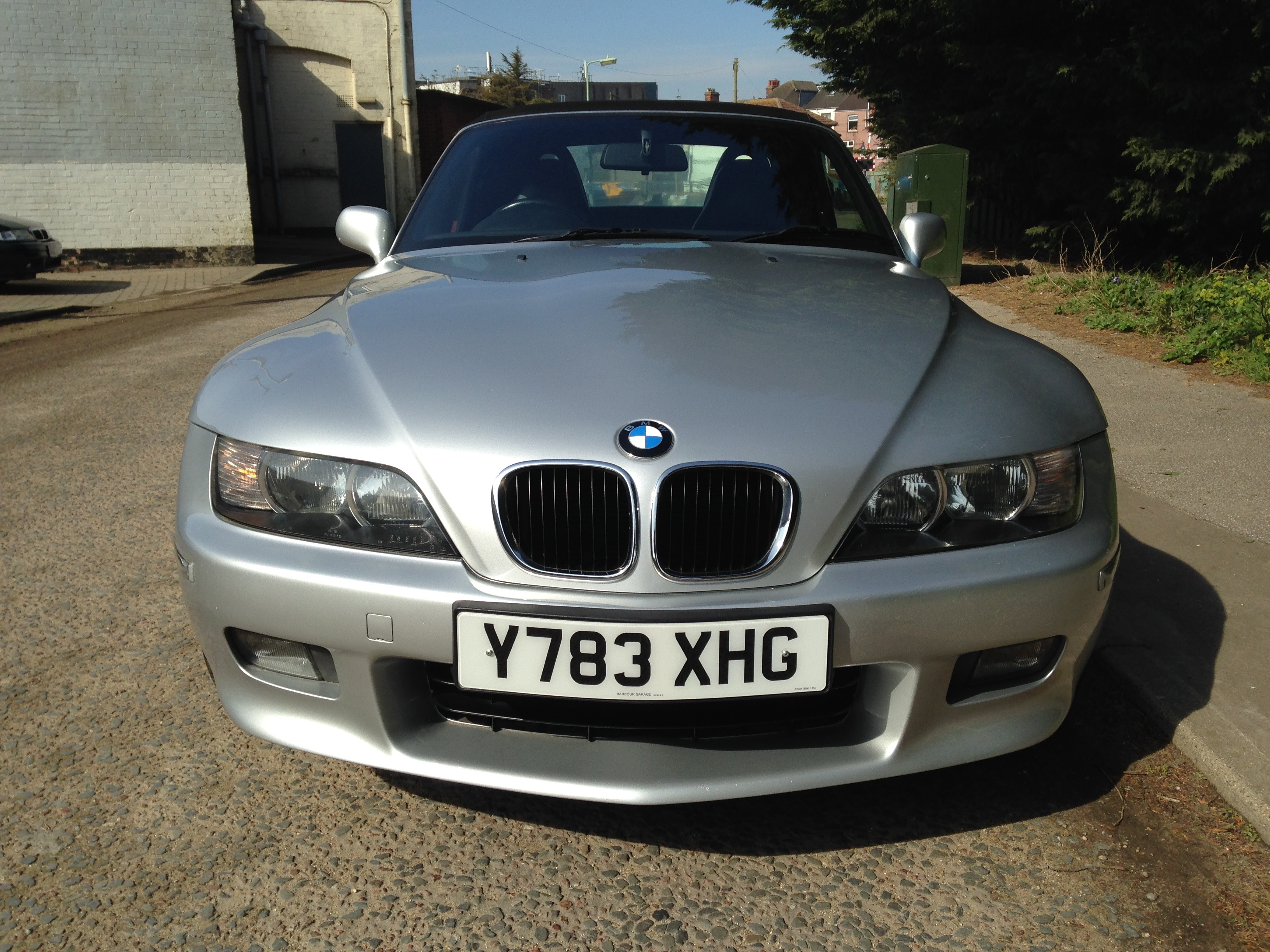 2001 Bmw Z3 2 2 This Bmw Z3 Is The Desirable 2 2 6 Cylinder Engined Model Providing Spirited