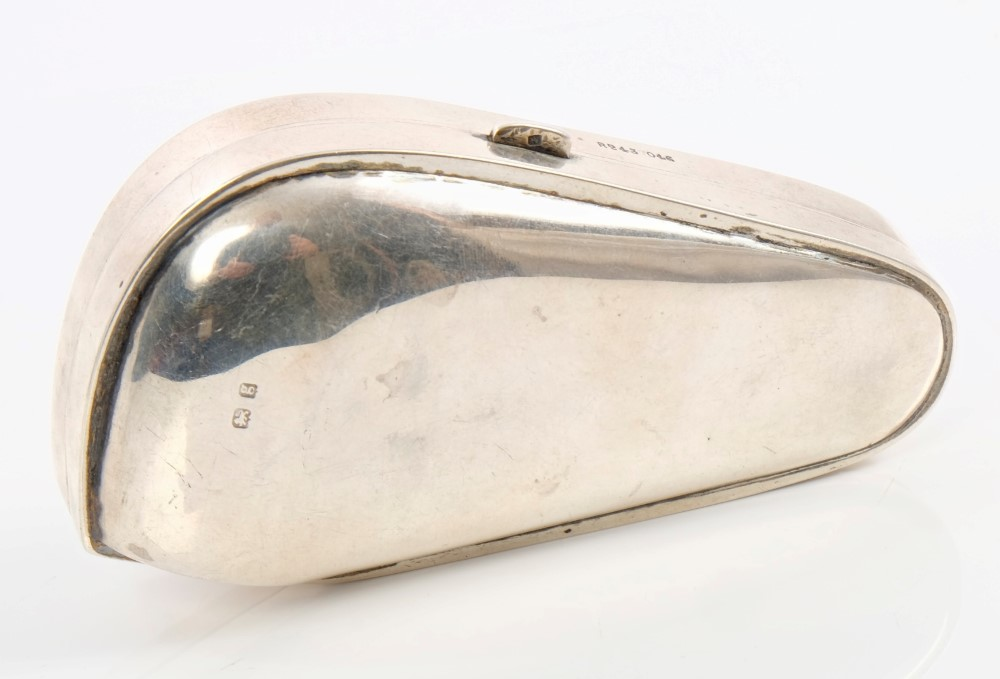 Hinged Pipe Cover : Edwardian silver pipe box of shaped form with hinged