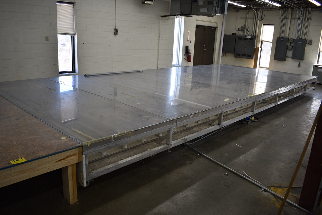 LARGE ALUMINUM FRAMED LAYOUT LIGHT TABLE, 28' X 12', MAY HAVE TO CUT DOWN TO GET THRU DOOR - Image 2 of 4