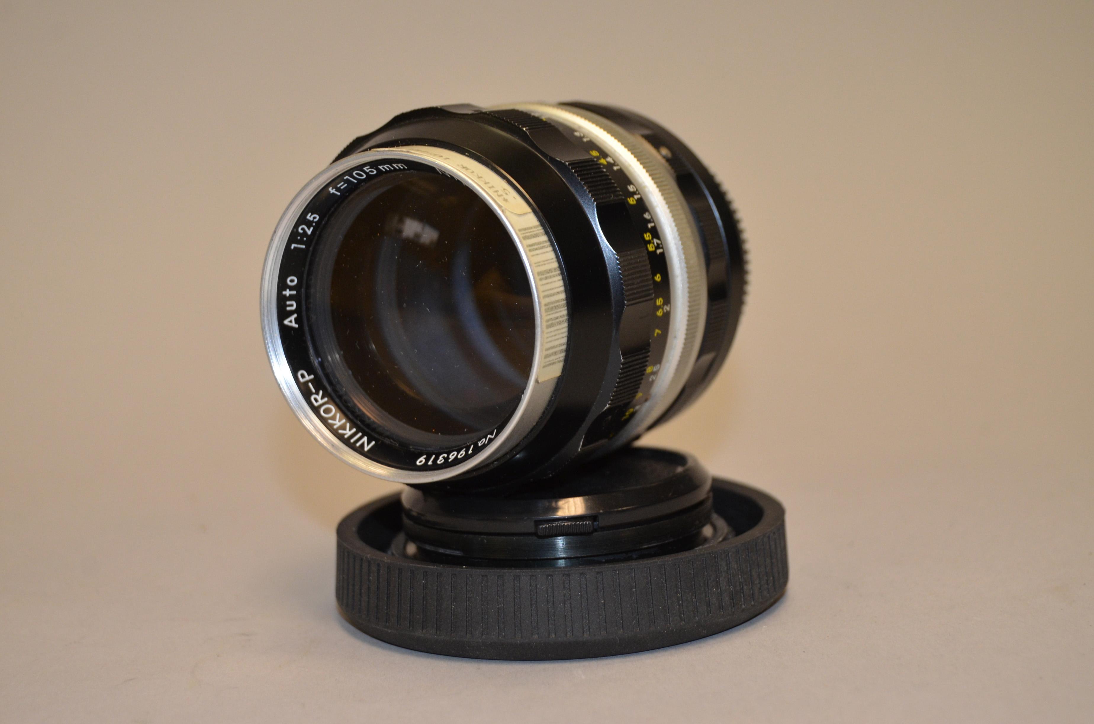 Lot 50 - A Nikkor-P Auto f/2.5 105mm Lens, serial no 196319, barrel G, elements G