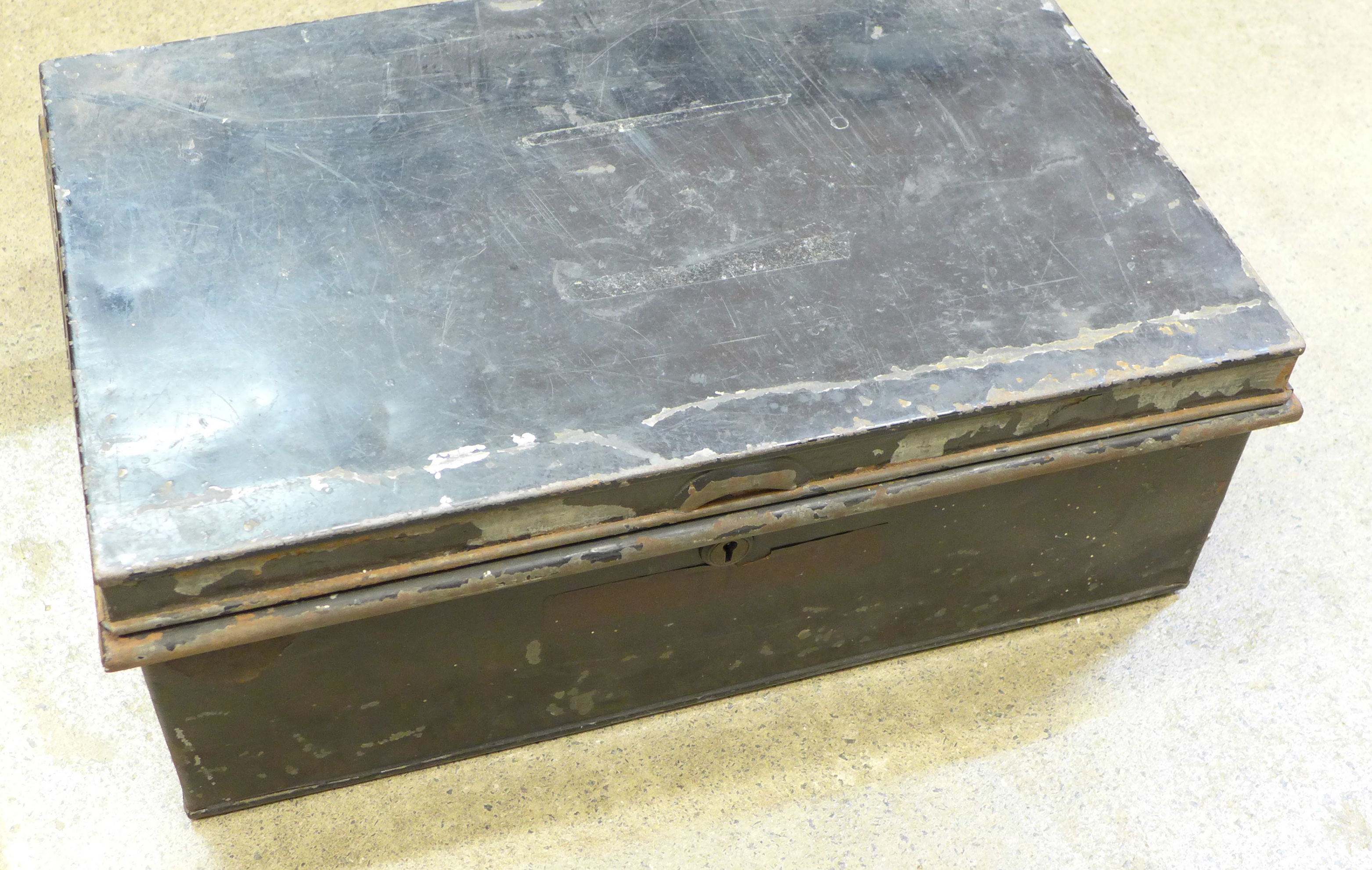 Lot 708 - A tin trunk with other tins, old keys, hobby tools, etc.