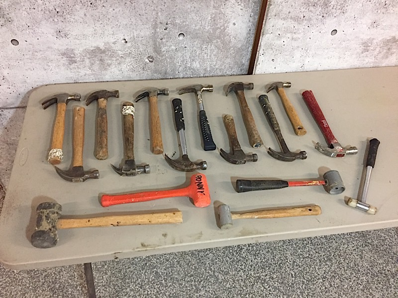 Lot 3 - LOT OF HAMMERS