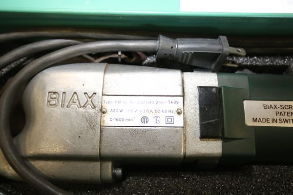 Lot 10 - Biax Flaker, Type HM10, S/N 200040 240/1489, 110 V with Case