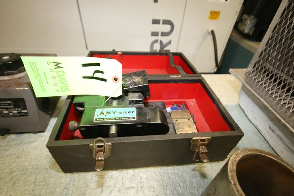 Lot 14 - Dayton Any Sizer Centerless Punch Grinder/Power V Roll with Case