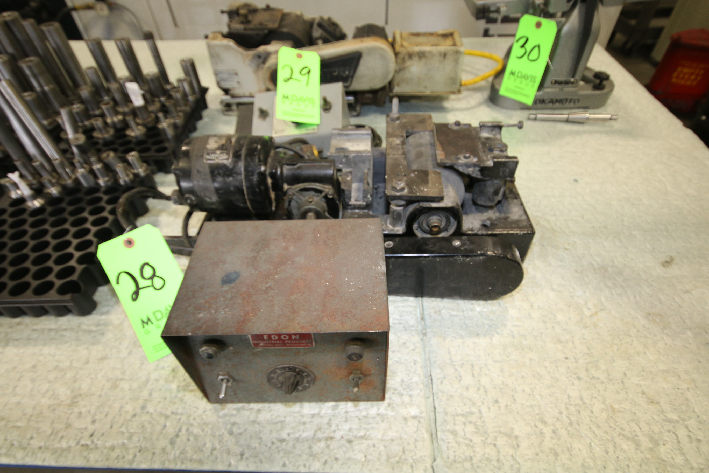 Lot 28 - Dedtru Unit and Power Supply