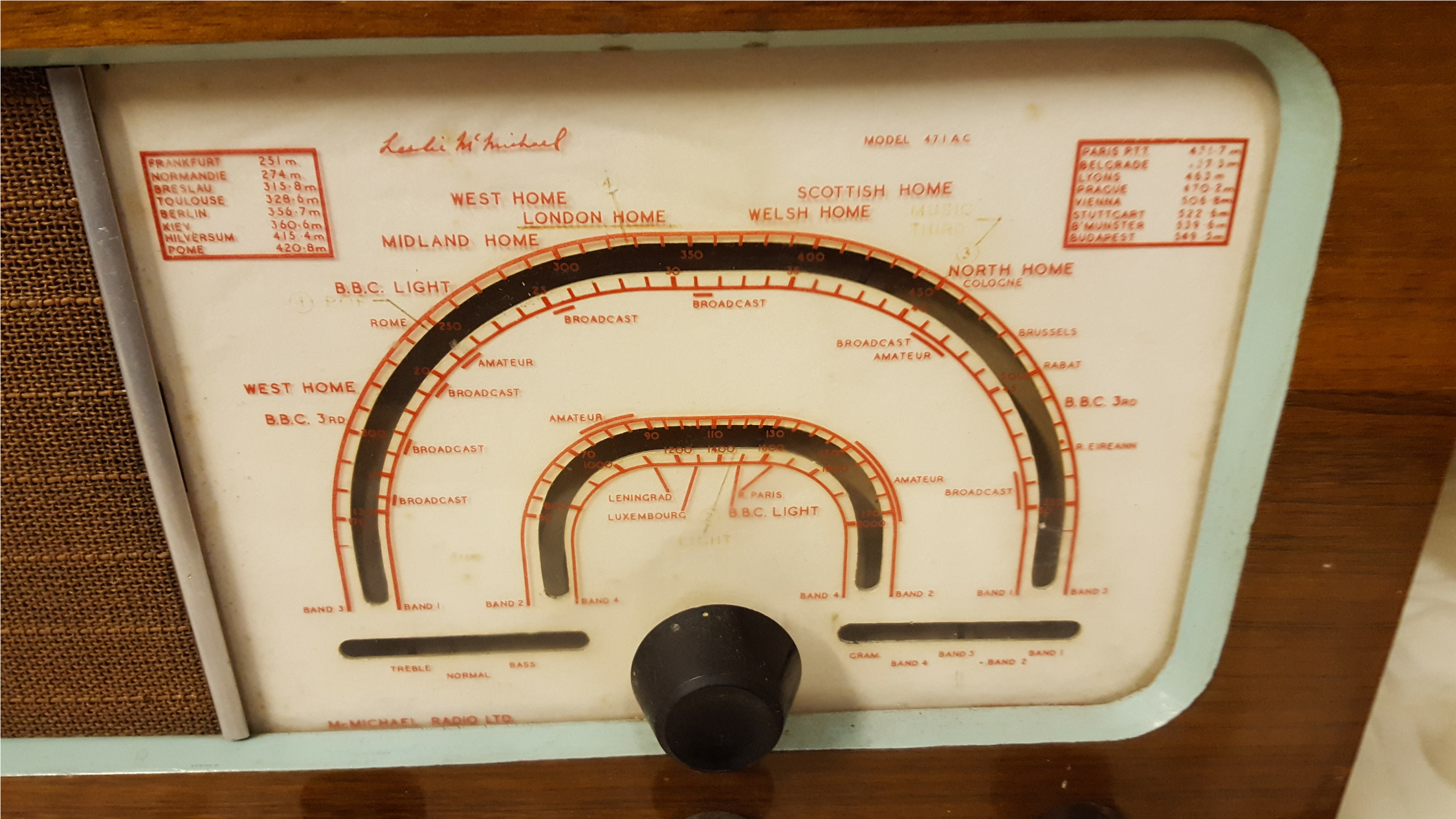 Lot 49 - Antique Vintage Retro McMichael Wireless Radio Similar to Model 471U