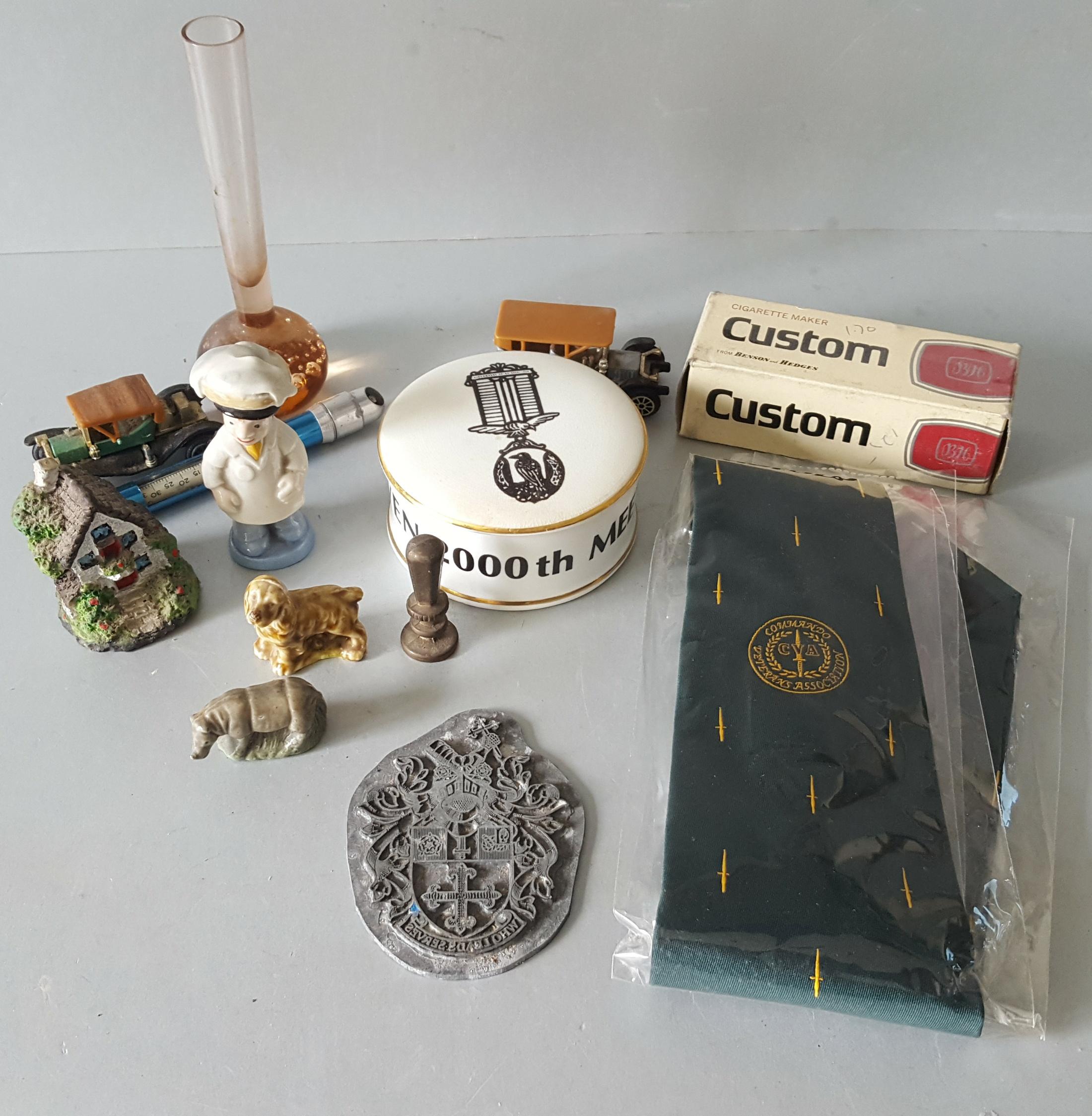 Lot 112 - Vintage Retro Parcel of Trinkets