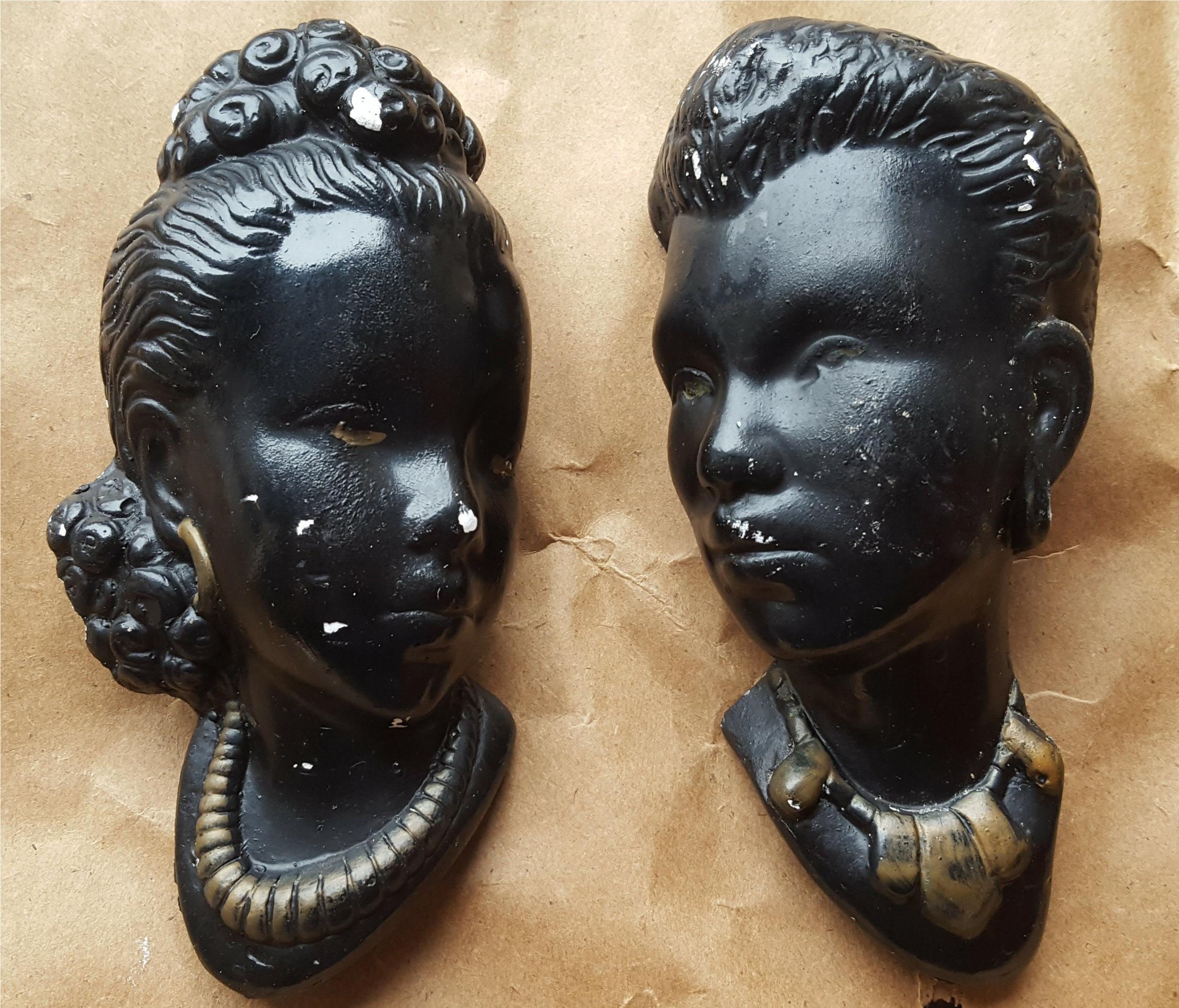 Lot 72 - Vintage Retro Kitsch Wall Plaques Asian Busts NO RESERVE