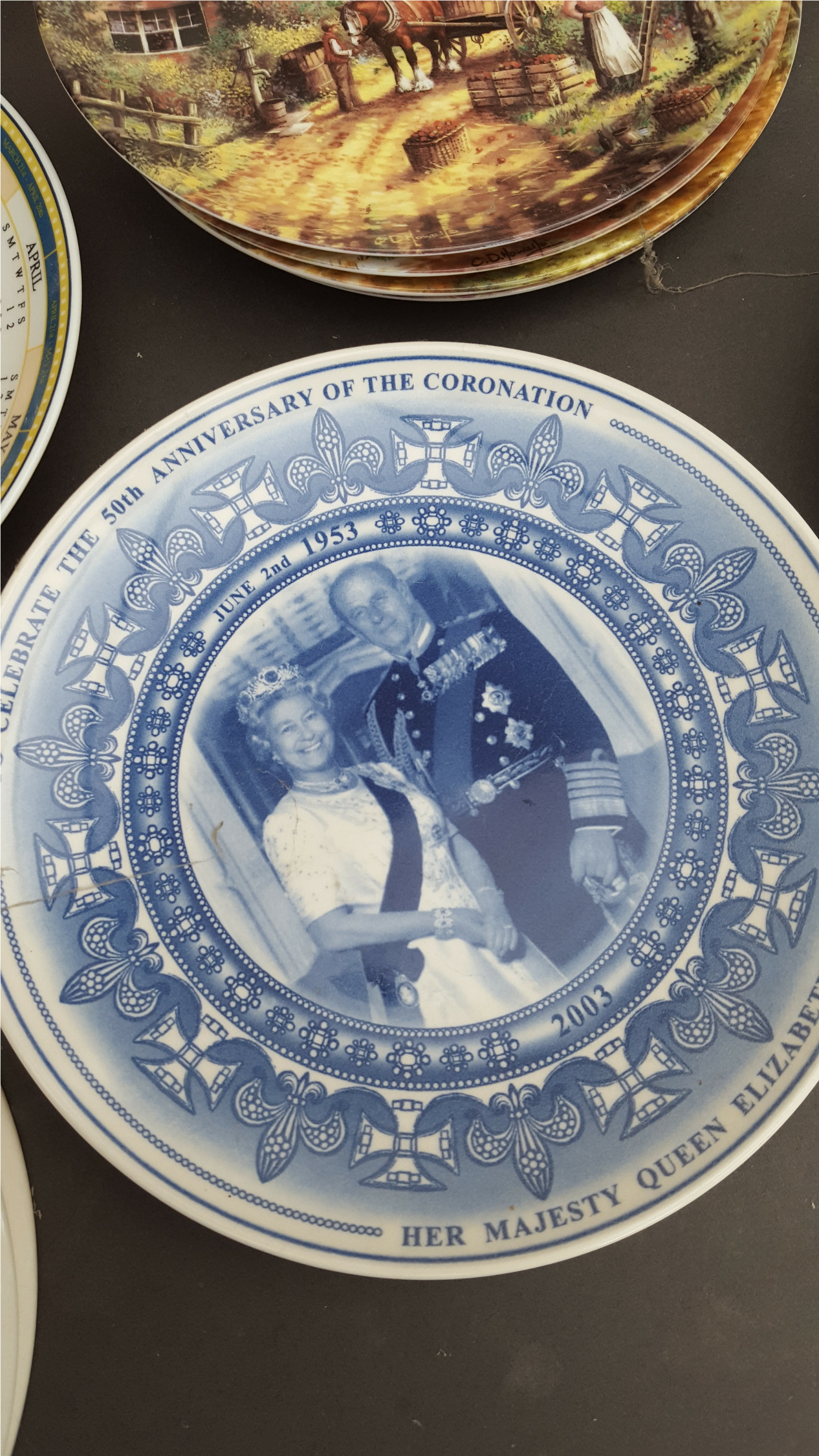 Lot 30 - Vintage Collection of 13 Daily Mail & Other Plates