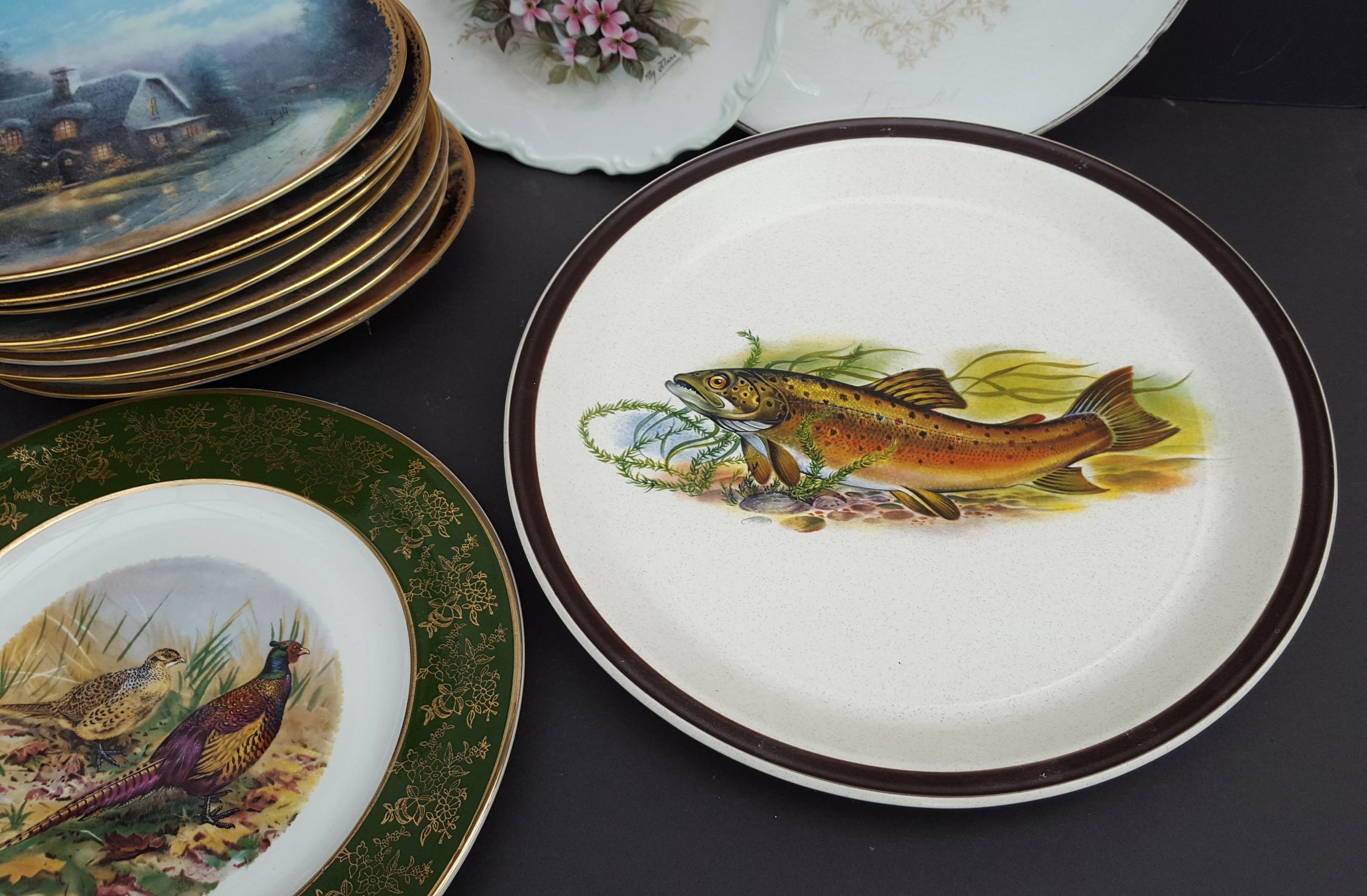 Vintage Collection 14 Collectable Plates Includes Victorian Spode Blue & White Birds & Fish - Image 4 of 5