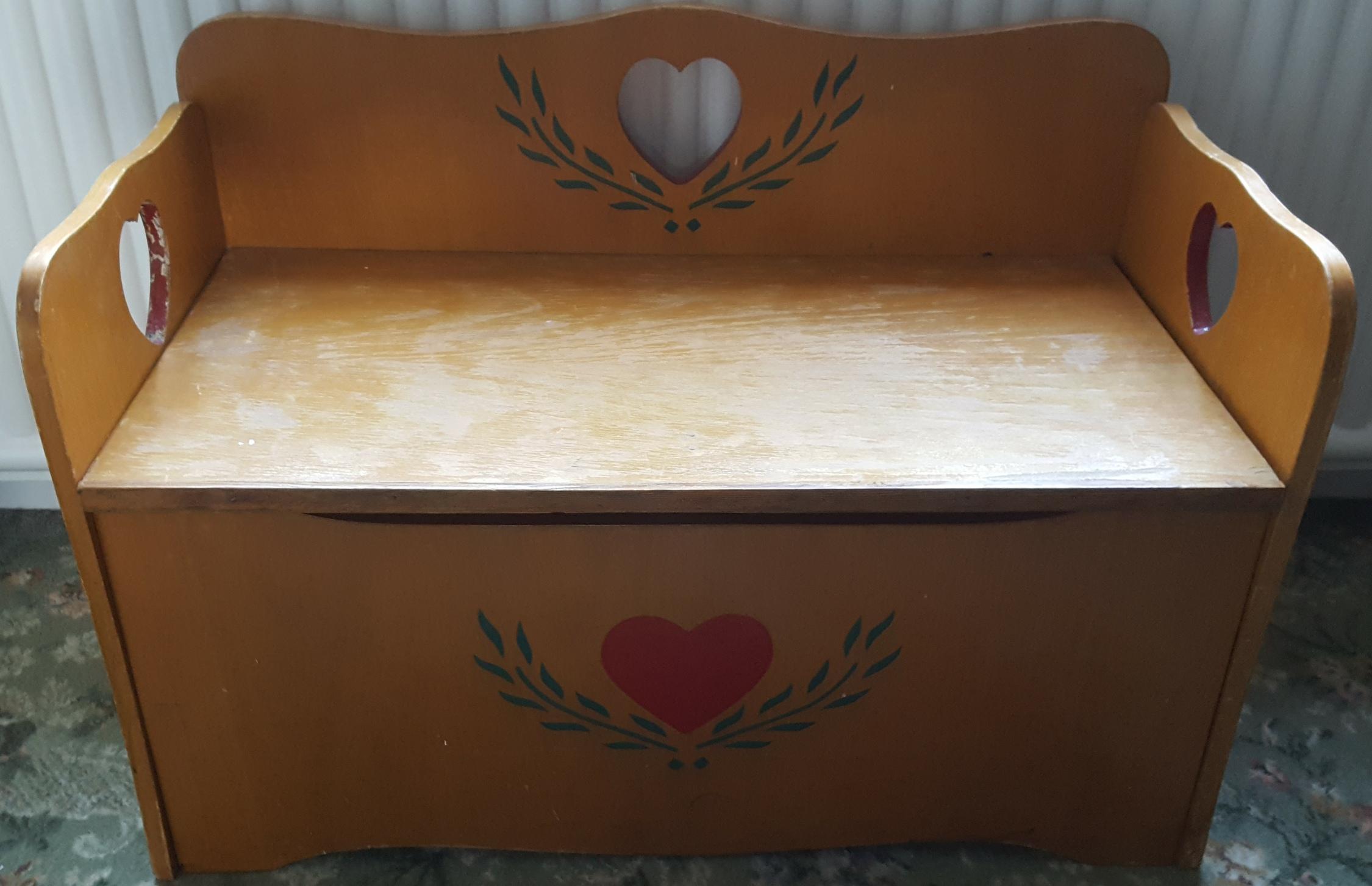 Lot 98 - Vintage Retro Solid Pine Childs Window Seat & Store Box