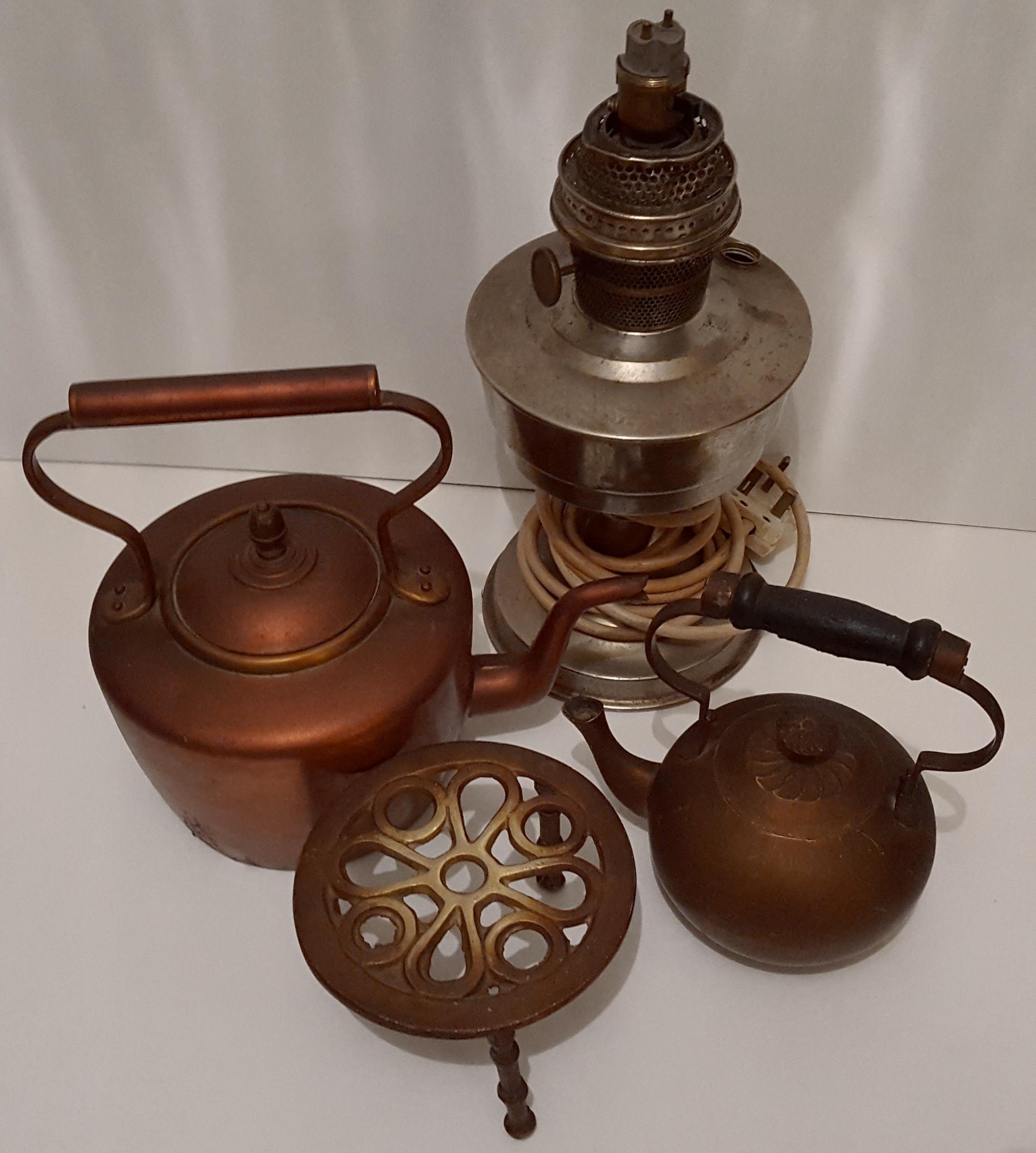 Lot 62 - Vintage Retro Brass & Copper Ware Includes Brass Tea Pot Copper Kettle NO RESERVE