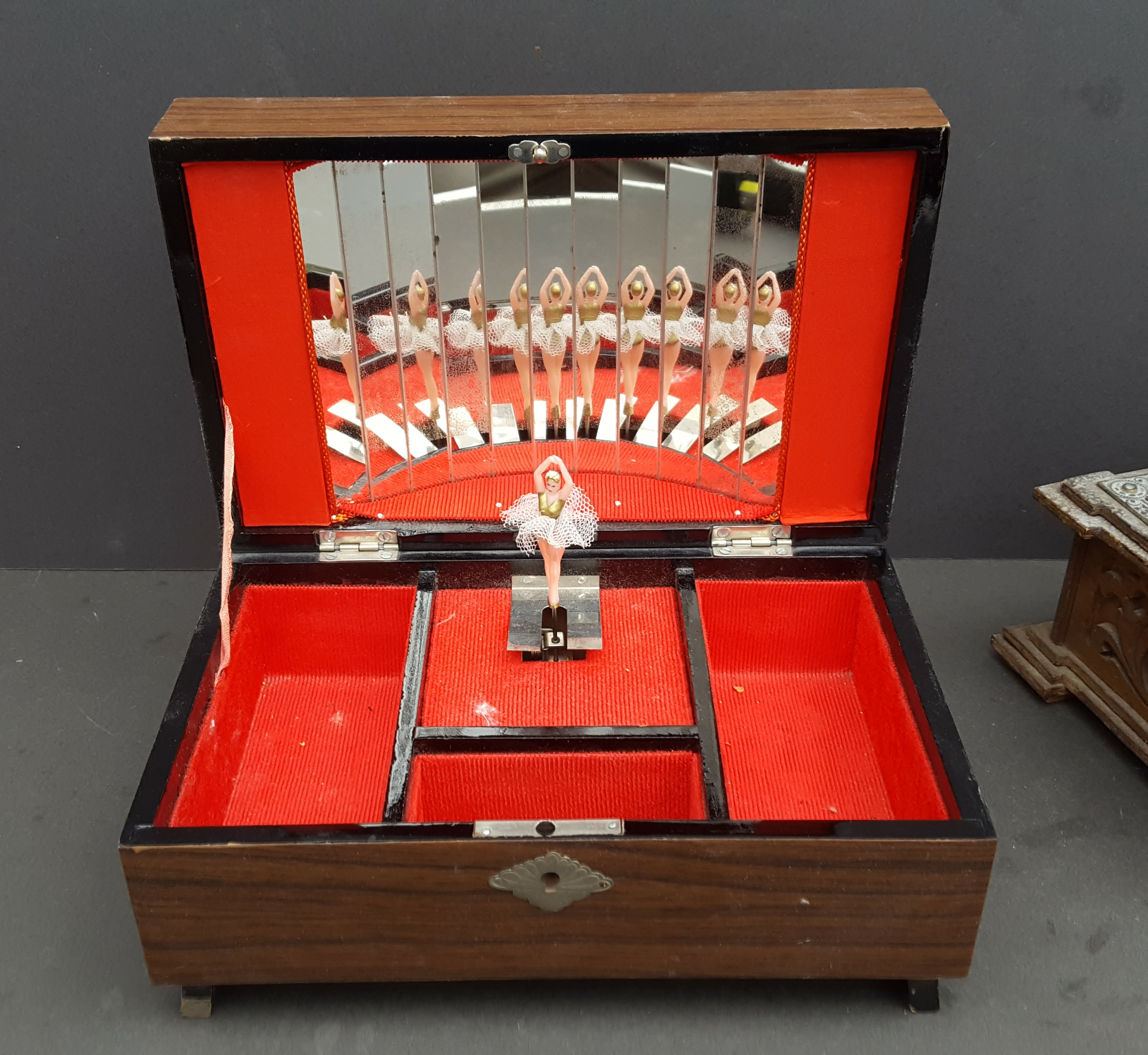 Vintage Retro 2 x Jewellery Box 1 Musical NO RESERVE - Image 2 of 3