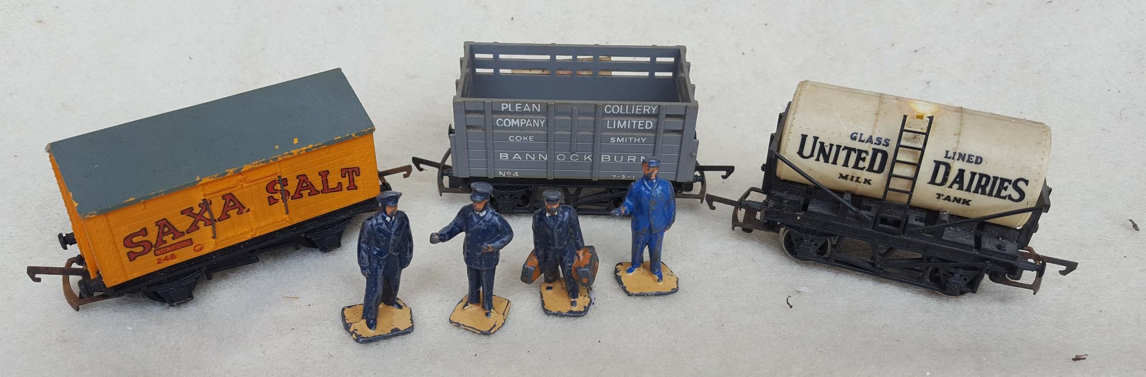 Vintage Model Trains Rolling Stock & Metal Hornby Figures 00 Gauge NO RESERVE