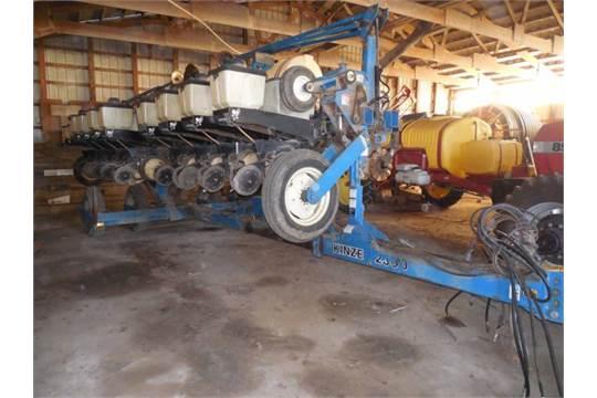 Kinze 2300 12x30 Vac Planter Liq Fert Rawson No Til 20 20 Monitor