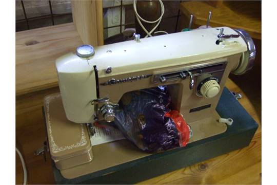 GAMAGES ELECTRIC SEWING MACHINE Adorable Gamages Sewing Machine