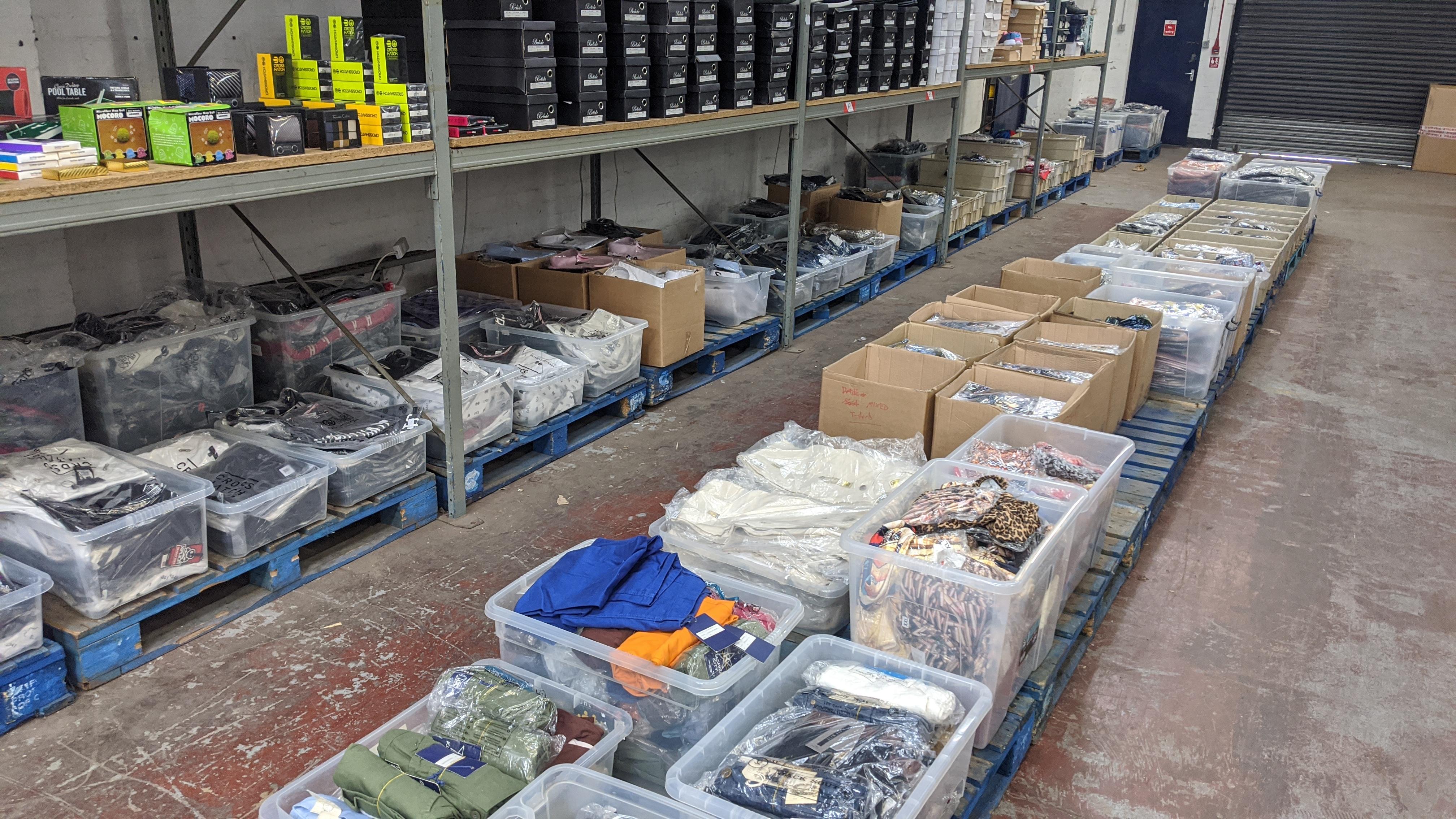 Very large quantity of primarily men's designer clothing & accessories. - Image 13 of 157