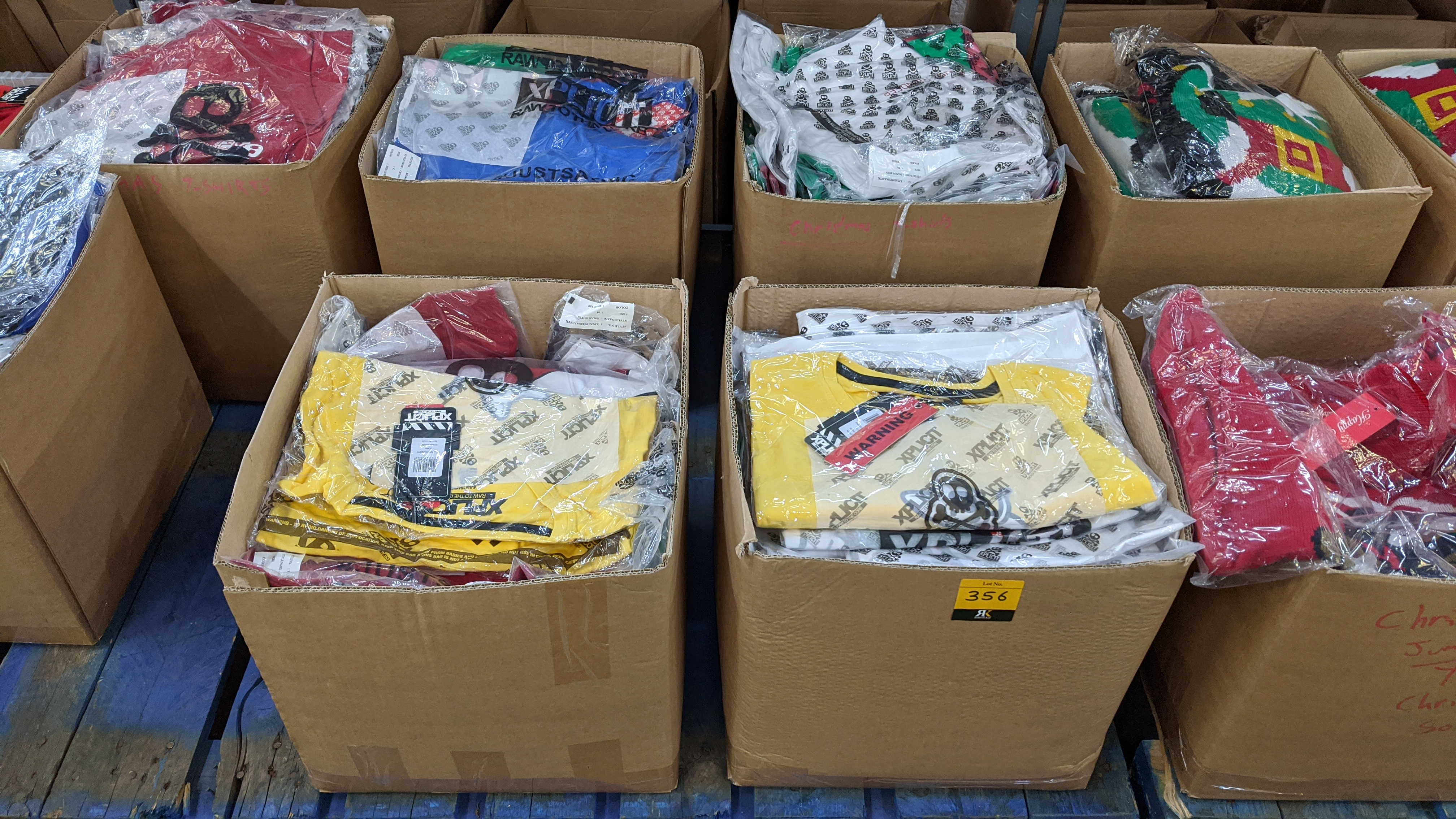 Very large quantity of primarily men's designer clothing & accessories. - Image 119 of 157