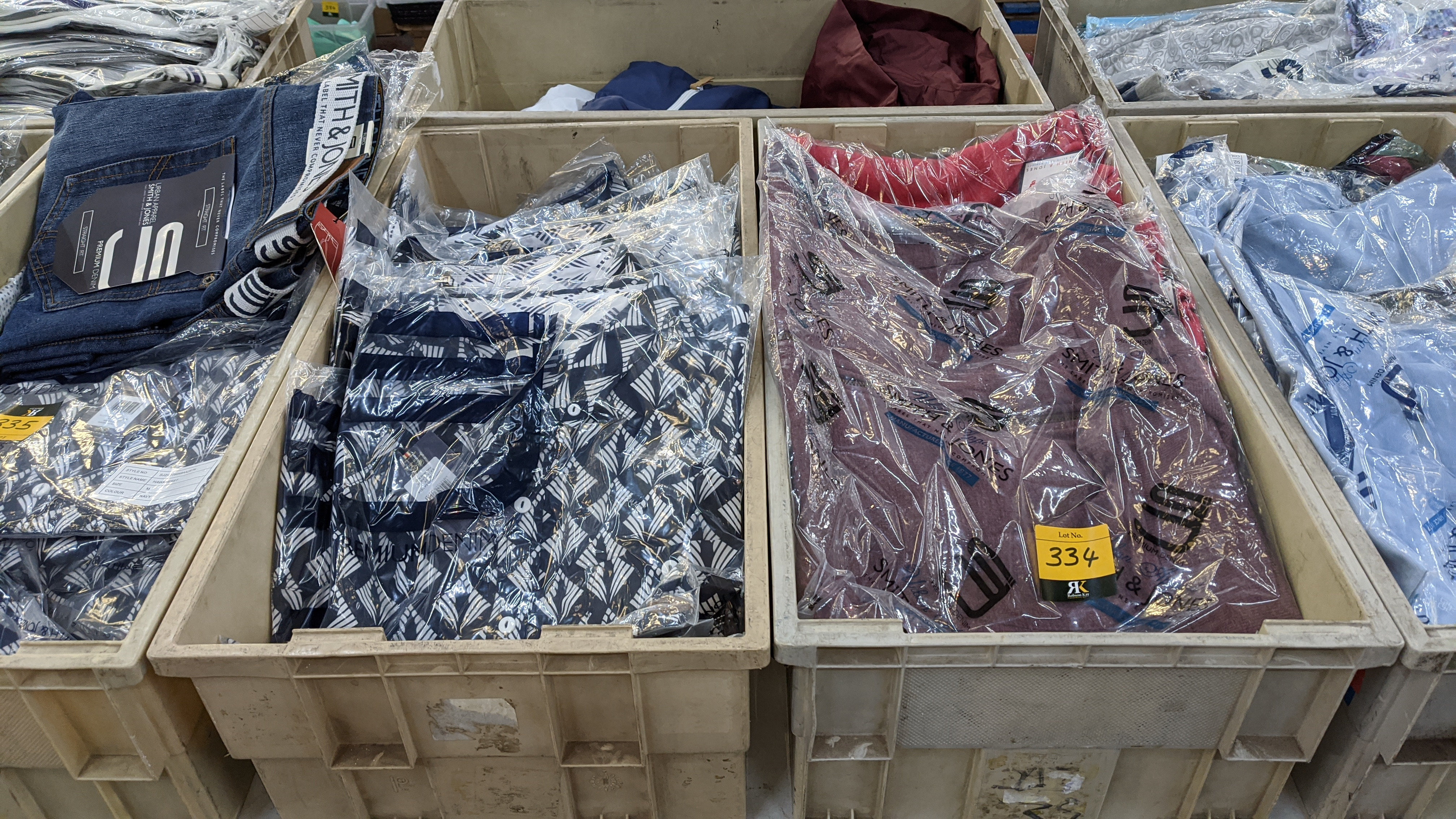 Very large quantity of primarily men's designer clothing & accessories. - Image 97 of 157