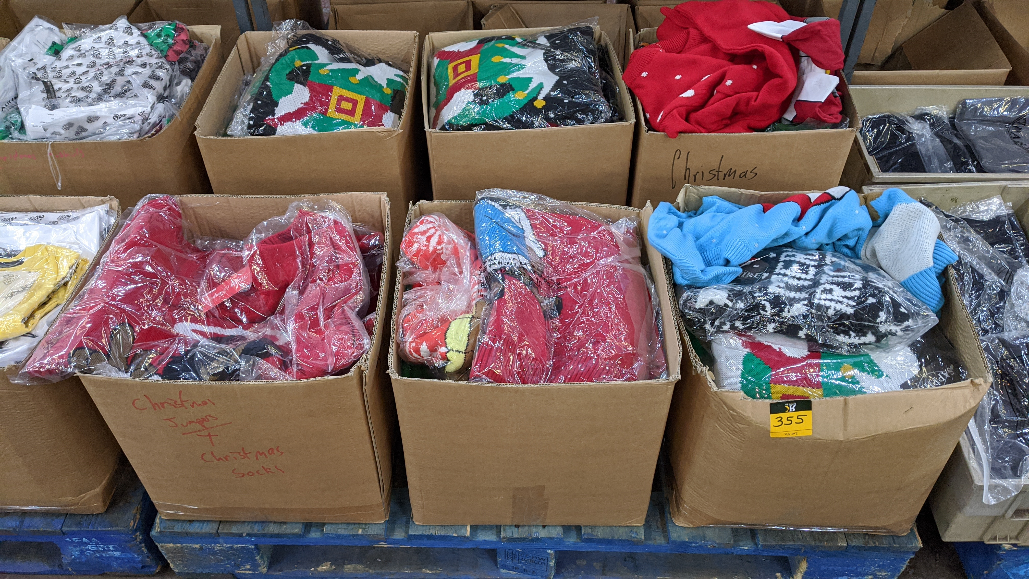 Very large quantity of primarily men's designer clothing & accessories. - Image 118 of 157