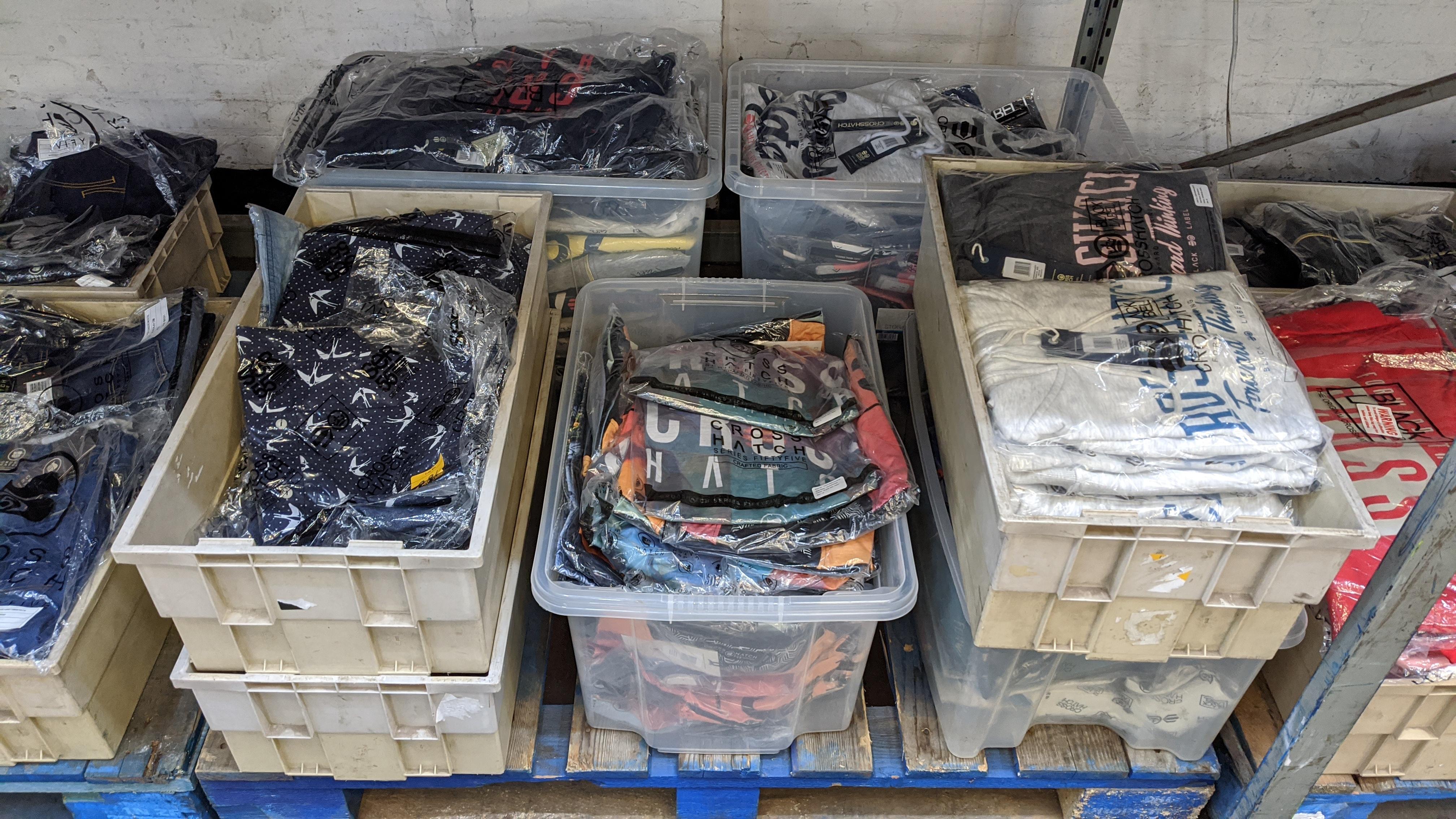 Very large quantity of primarily men's designer clothing & accessories. - Image 54 of 157