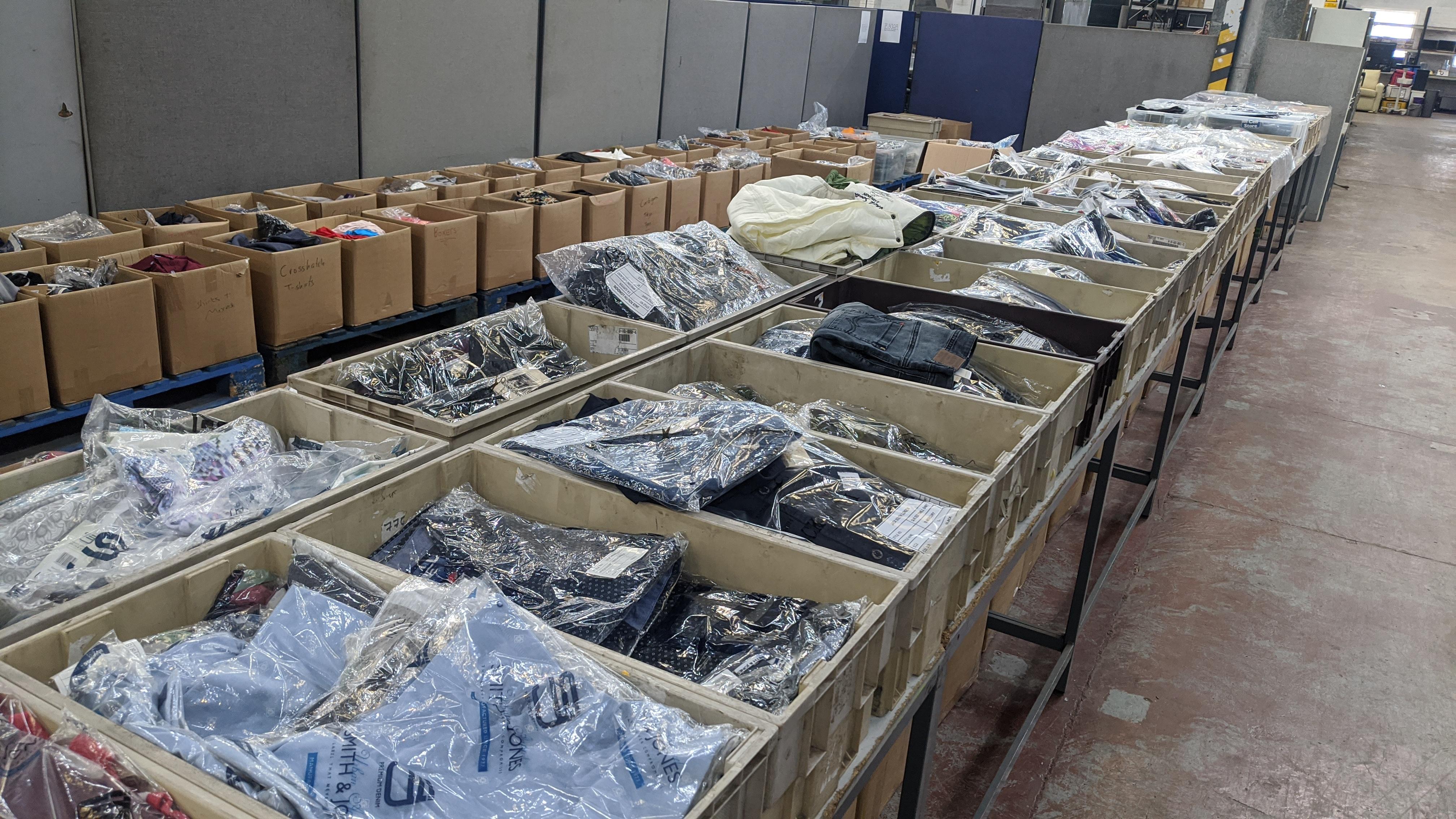 Very large quantity of primarily men's designer clothing & accessories. - Image 15 of 157