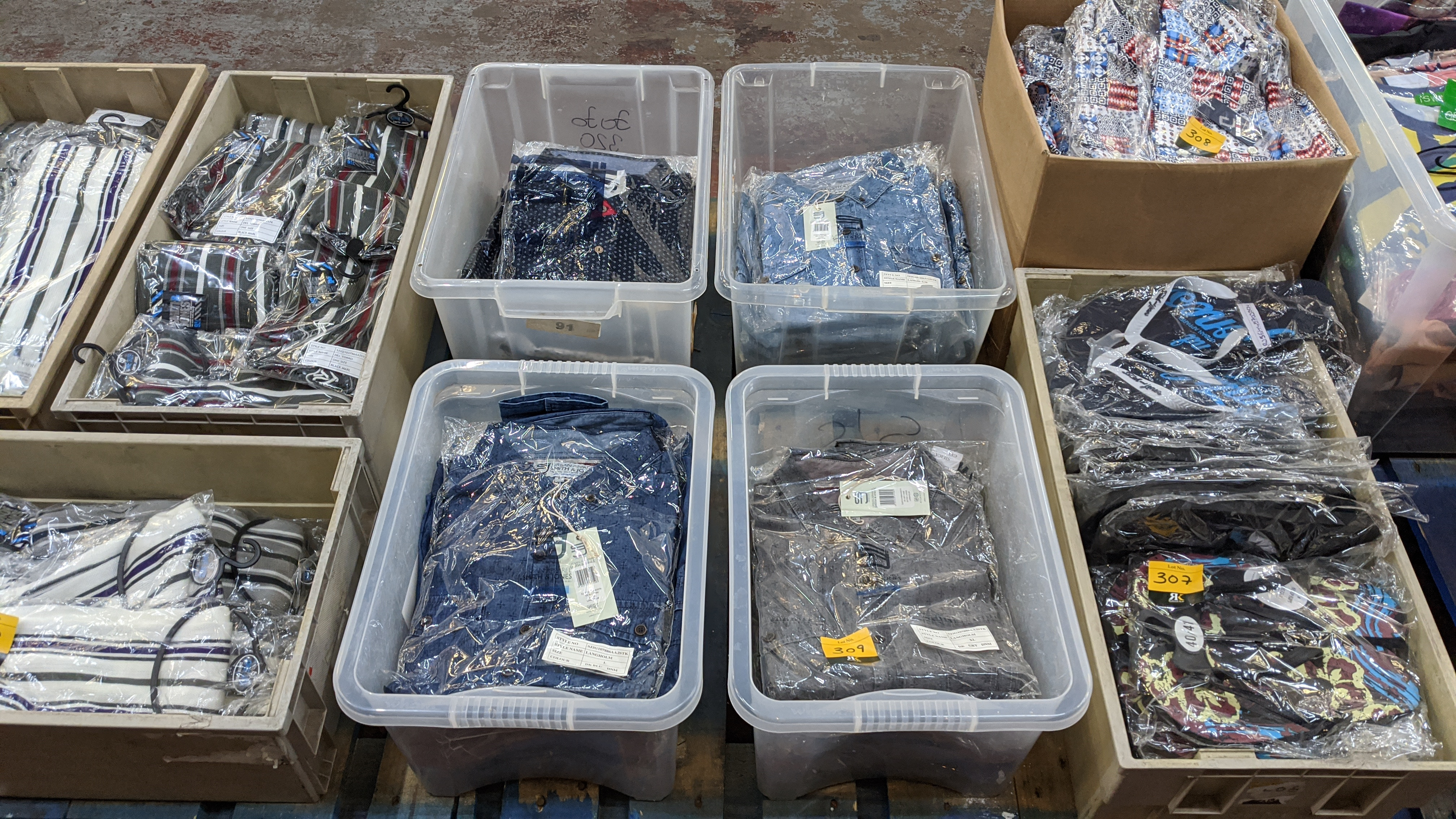 Very large quantity of primarily men's designer clothing & accessories. - Image 72 of 157