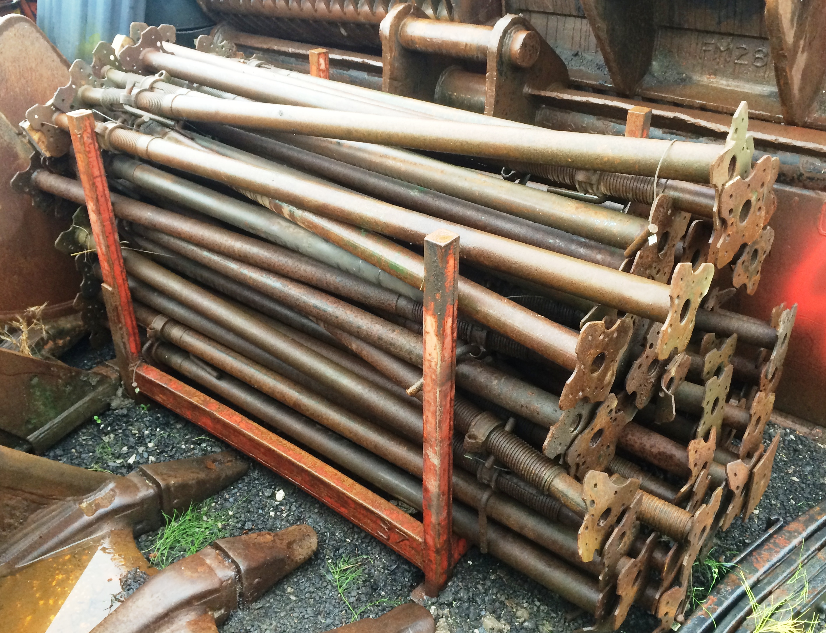 Acrow Prop Catalogue : Approximately acrow props located bredbury nr stockport