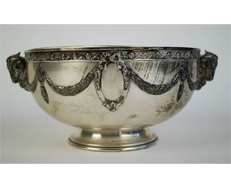 Silver bowl decorated with ram heads German silver coupe 800 with cristal glass. Franz Bahner, dated ca 1900. Silver weight 6