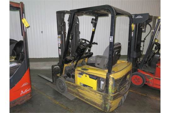 Caterpillar 3000 lb  Electric Forklift Model LP16KT, S/N