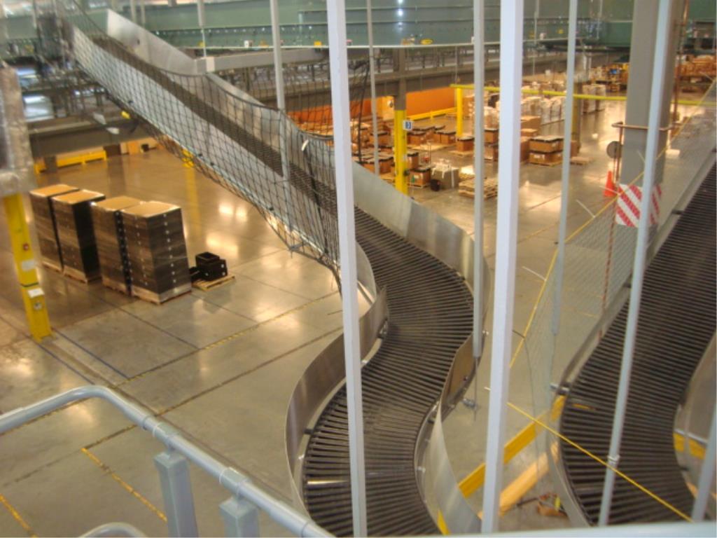 Lot 208 - Suspended Inclining Belt Conveyor