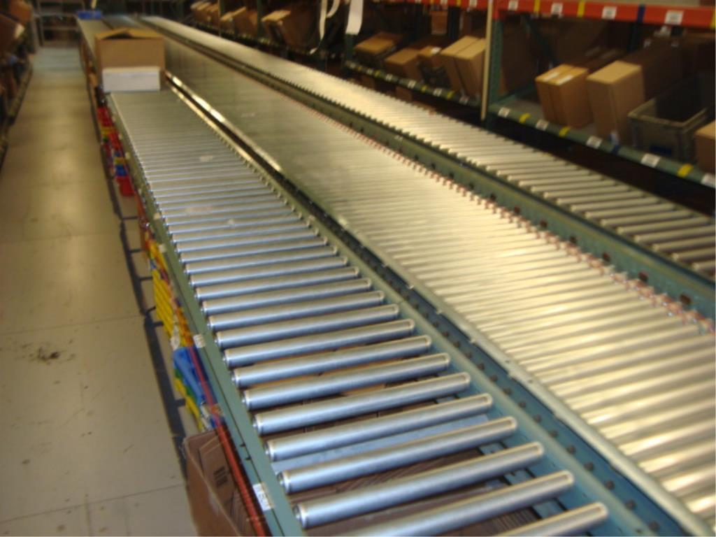 Lot 204 - 3-Lane Conveyor